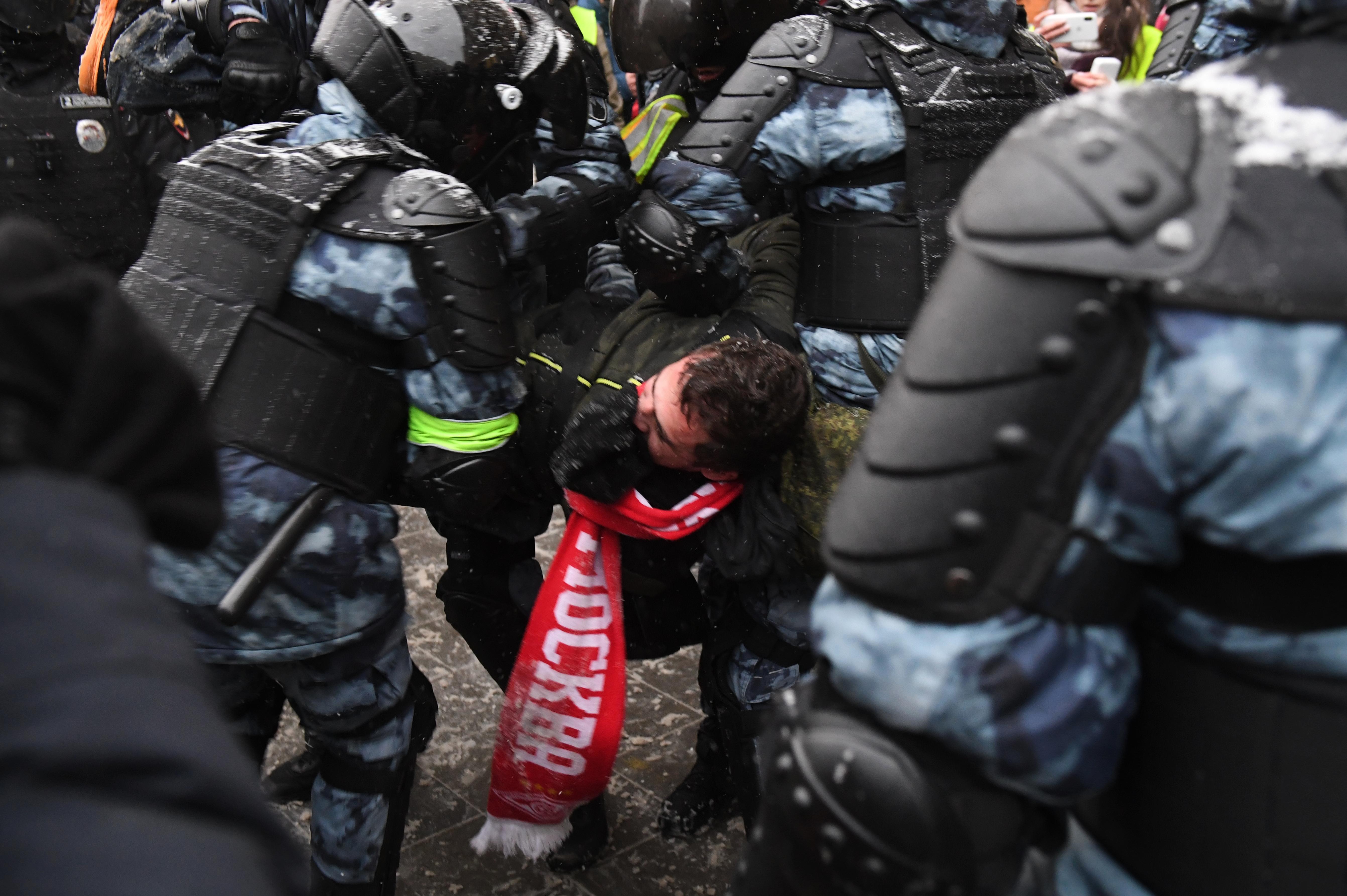 Tüntetésrekord Oroszországban: Több mint 4500 embert vettek őrizetbe