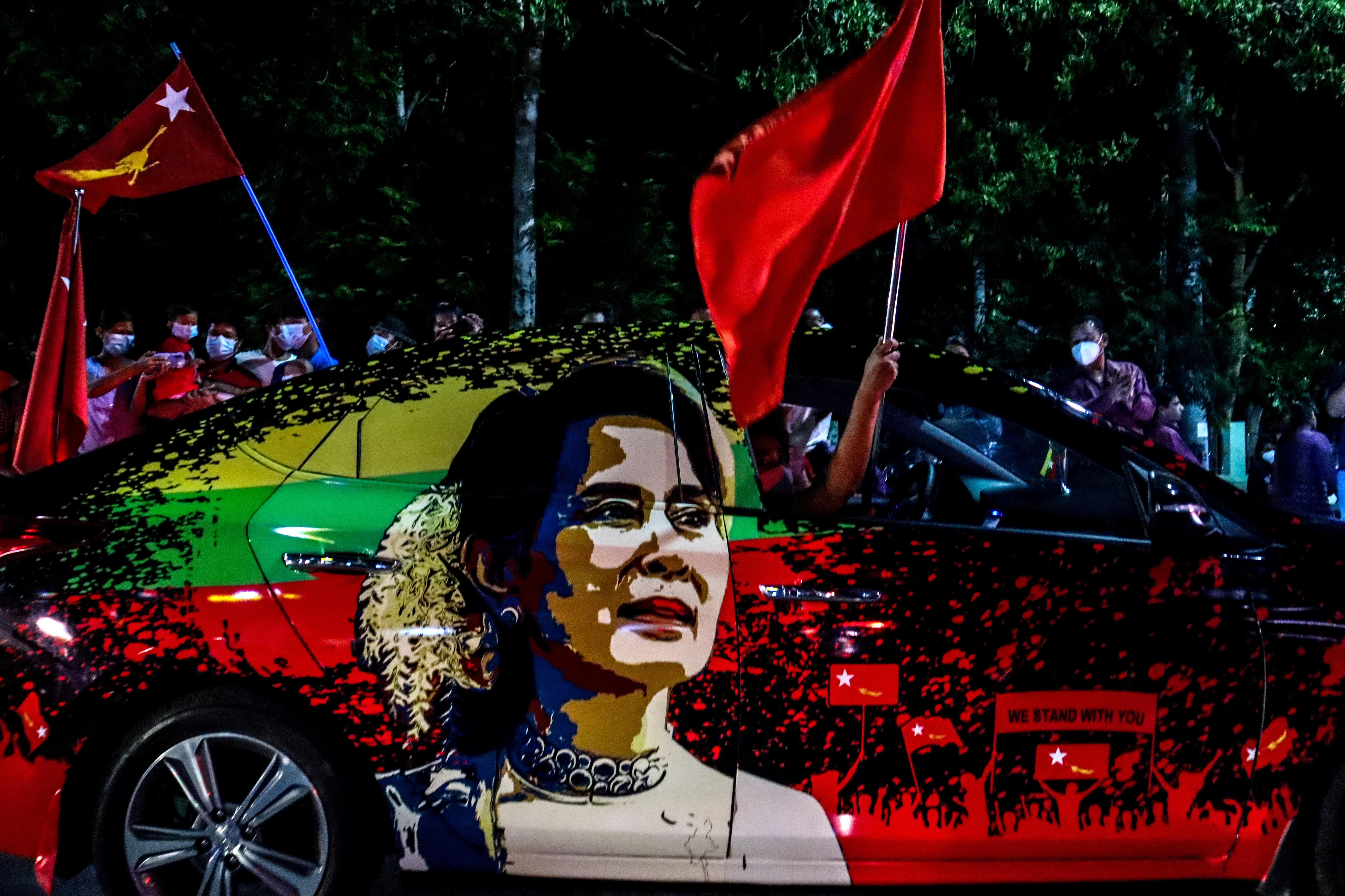 Katonai puccs volt Mianmarban, Aung Szan Szú Kjit őrizetbe vették