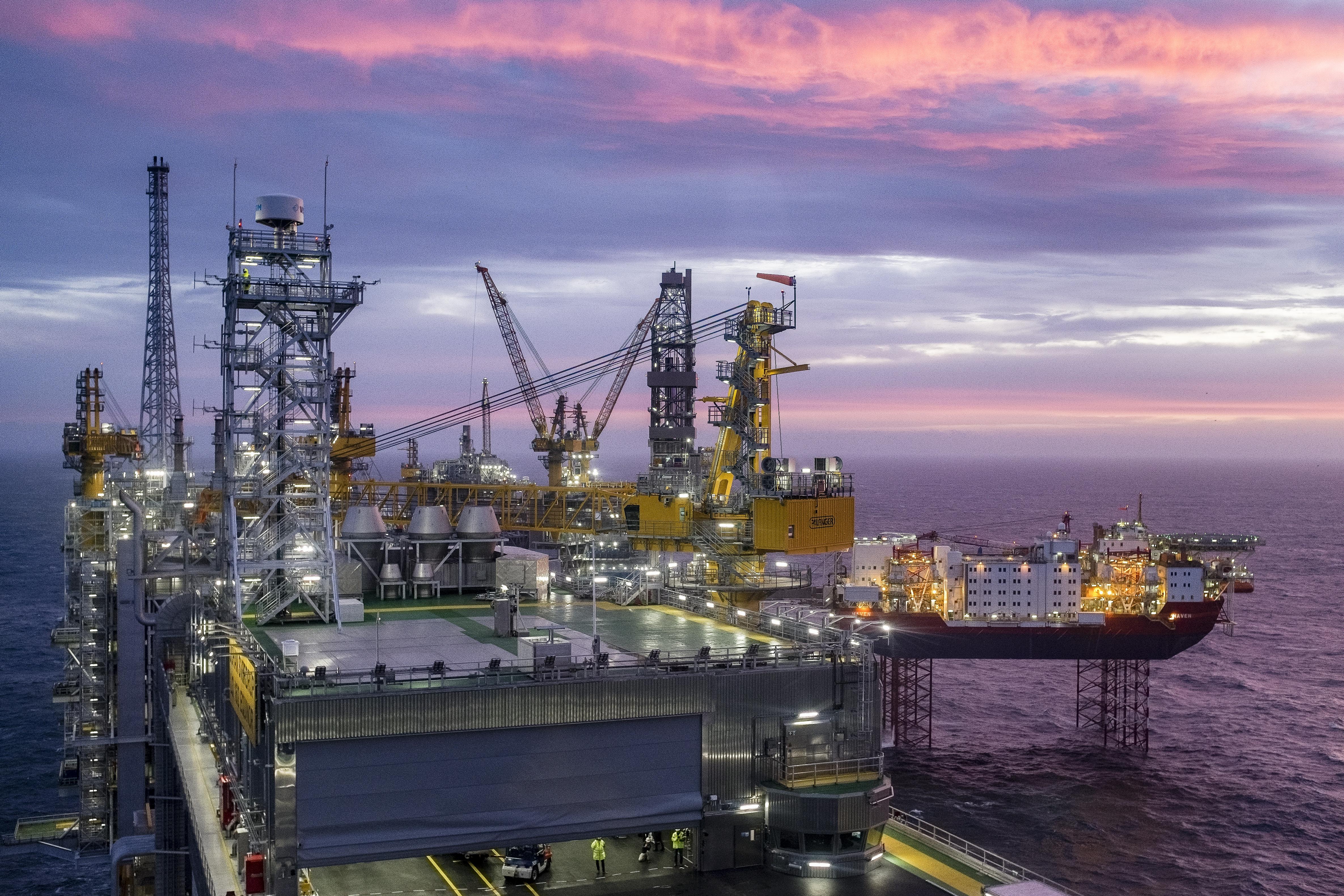 A norvég nyugdíjalap eladta az olajkutatással és olajtermeléssel foglalkozó cégek részvényeit