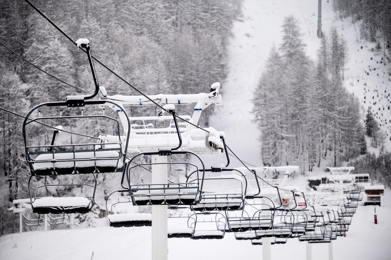 Nem indítják el a francia sífelvonókat februárban