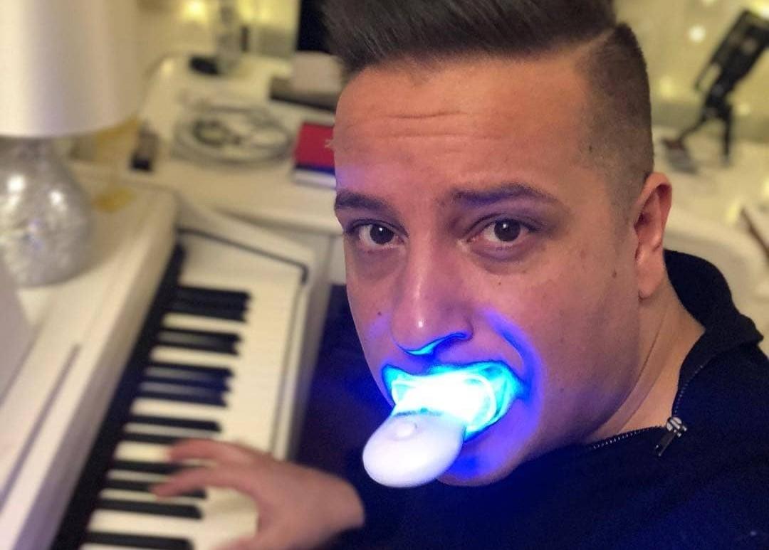 A GVH betiltotta annak a fogfehérítőnek a reklámozását, ami az elmúlt években a legtöbb magyar celeb szájában járt már