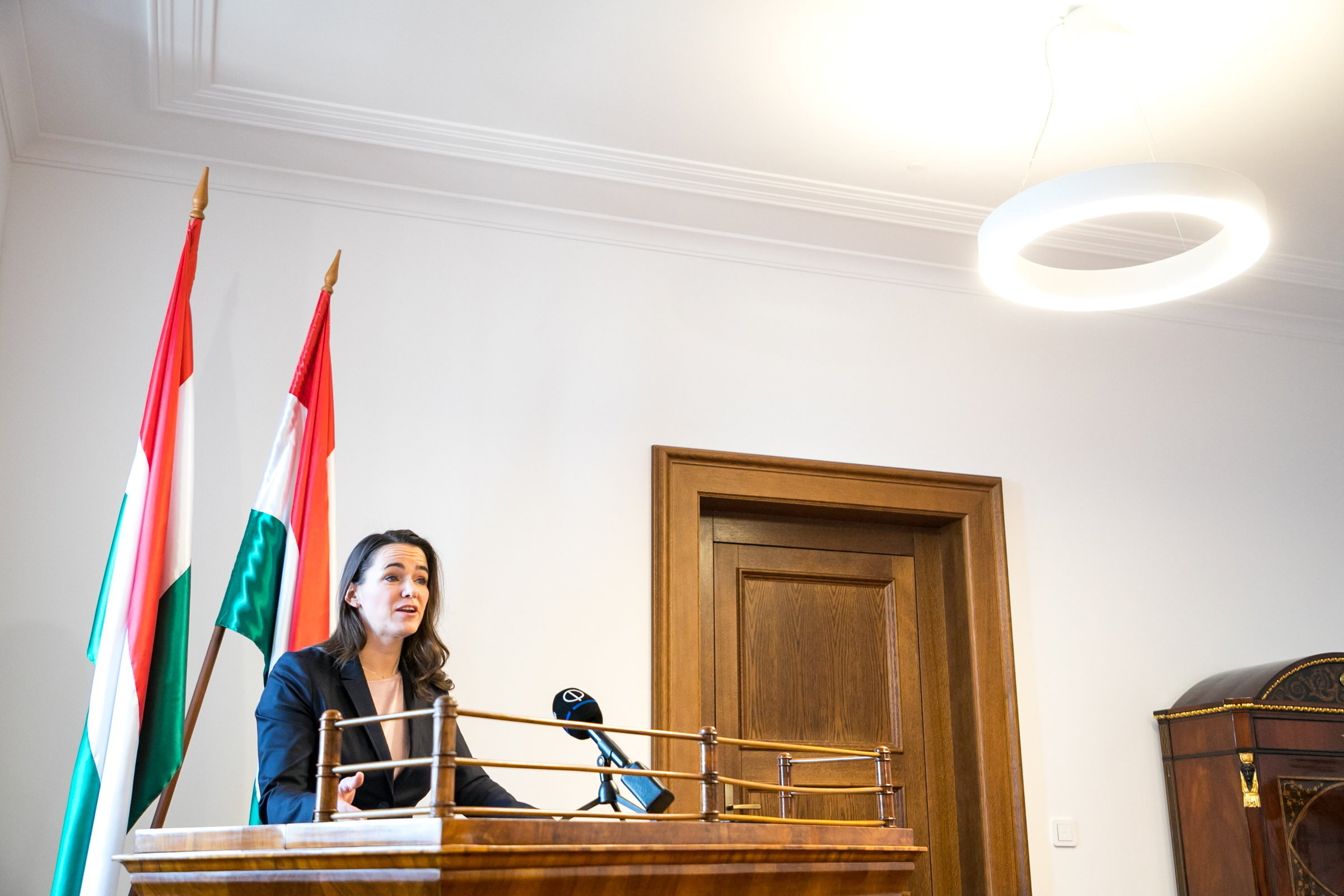 """Novák Katalin: """"Ki merem jelenteni, hogy a homoszexuálisok örökbefogadásának kérdése pillanatnyilag nem szerepel a magyar emberek első száz problémája között"""""""