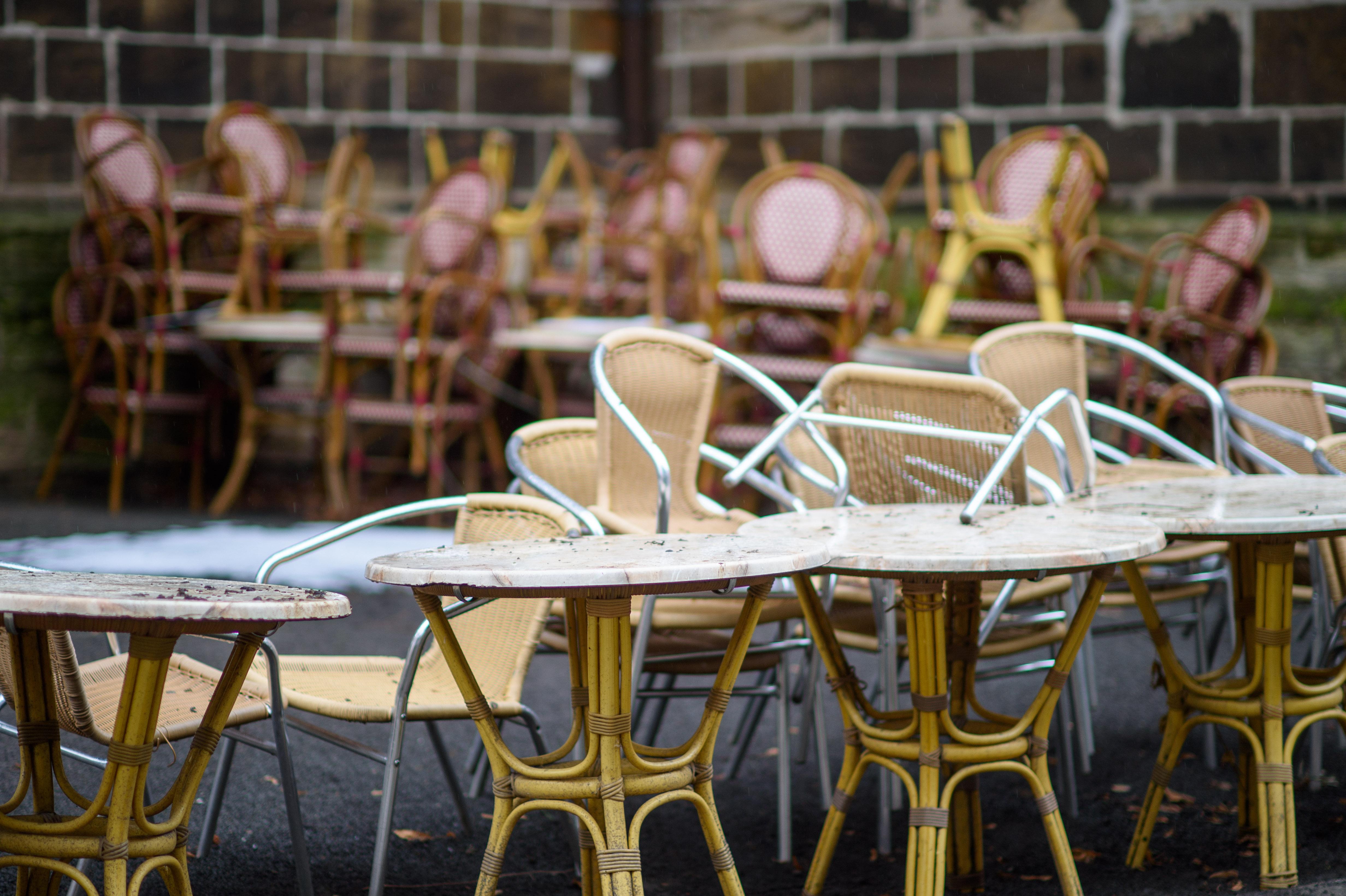Luxemburgban áprilisban újra kinyithatnak a kávézók és az éttermek