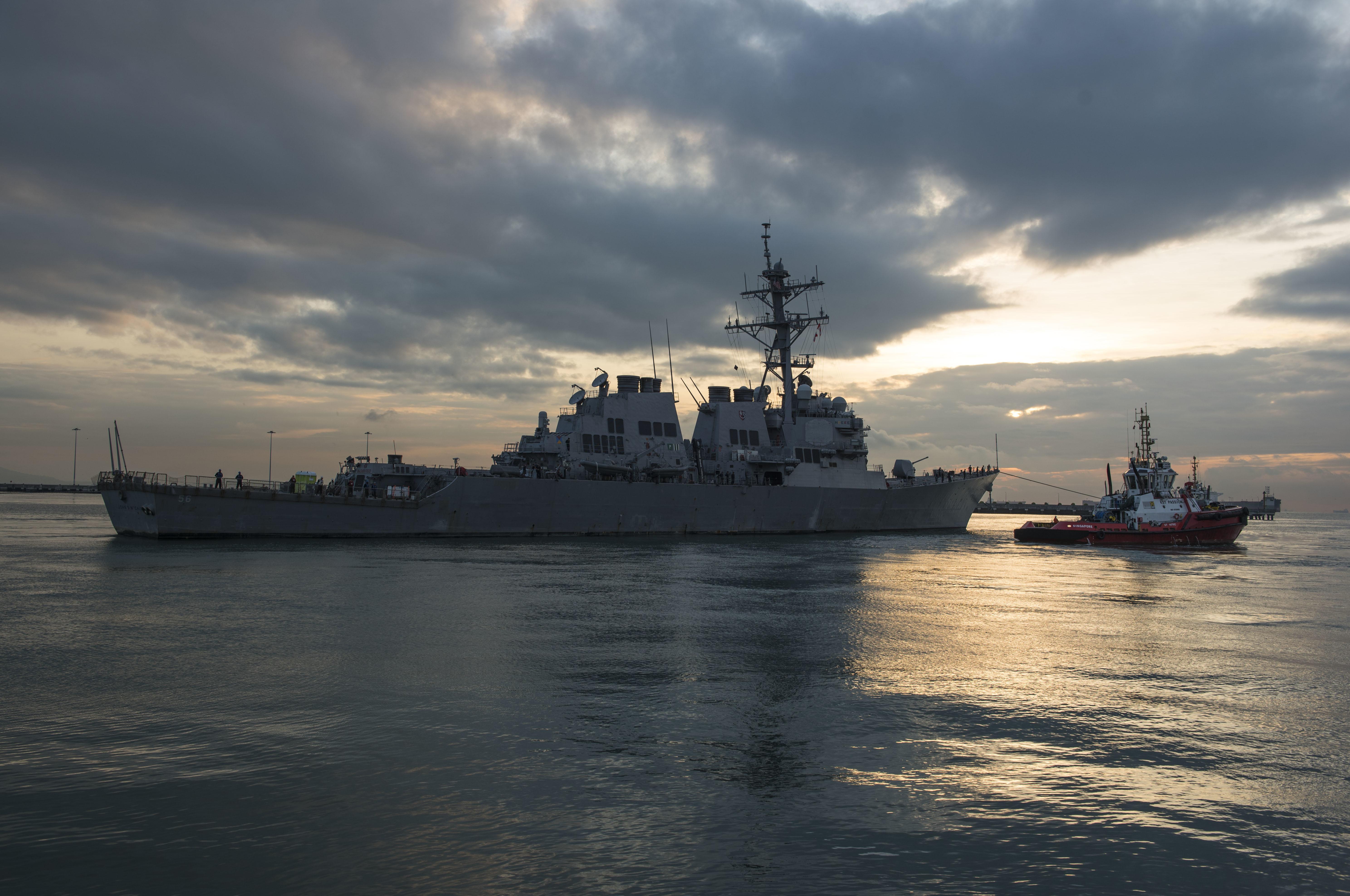 Amerikai hadihajó közelített meg egy vitatott hovatartozású szigetet a dél-kínai tengeren