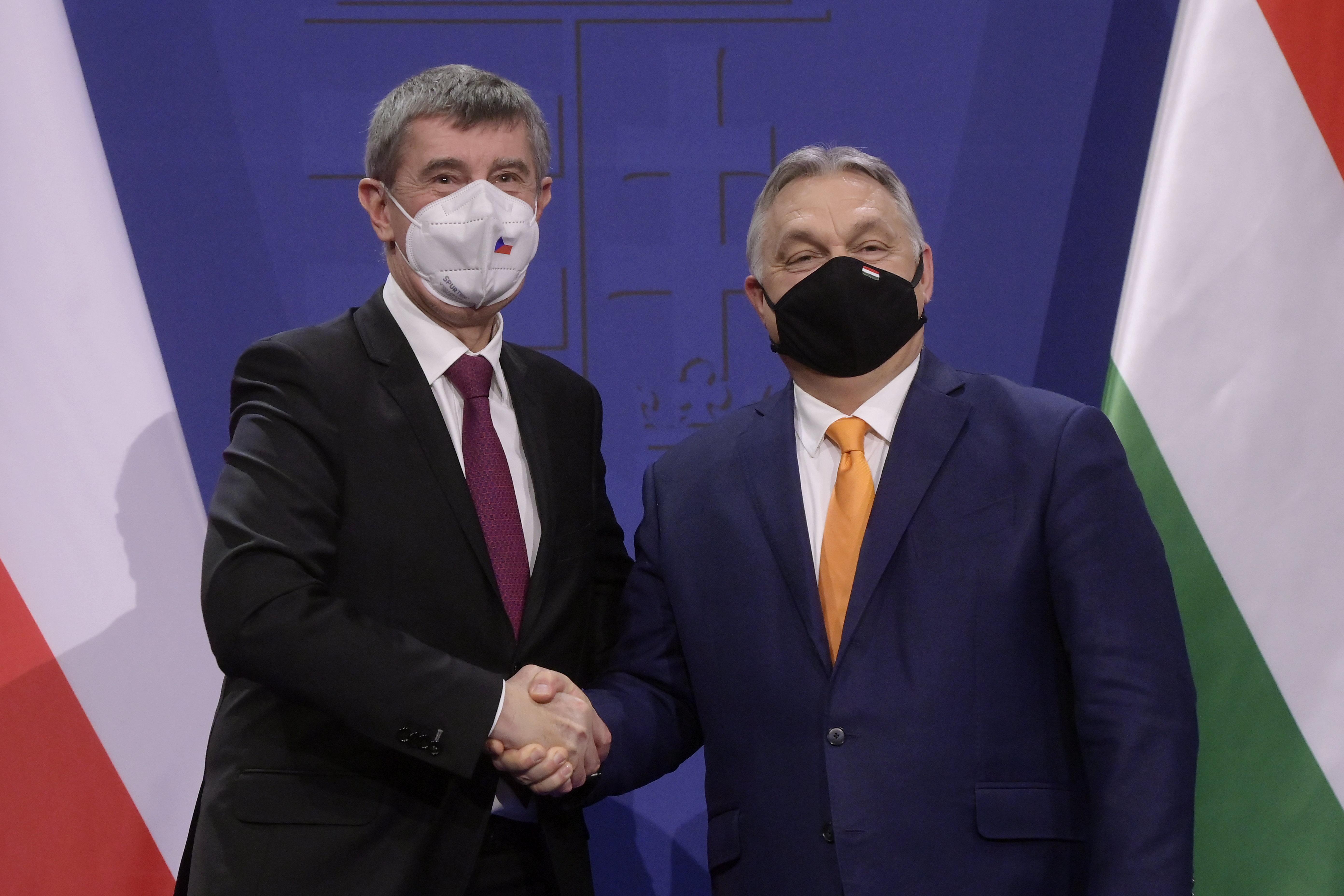Orbán: Aki nem kéri az éppen elérhető oltást, az a sor végére kerül