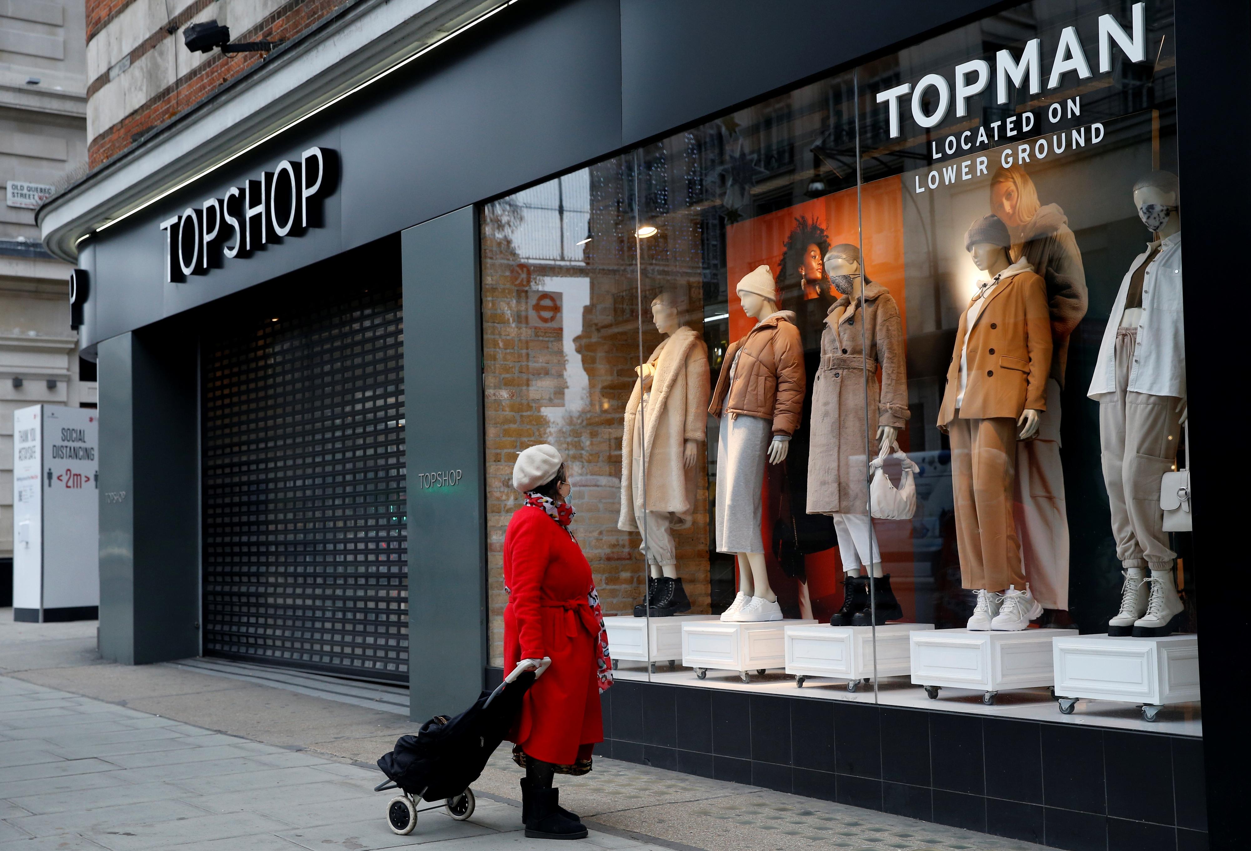 Az Asos felvásárolta a becsődölt Topshopot, és már a globális online divatpiac uralmára gyúr