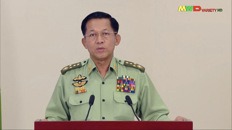 """A mianmari hadsereg vezetője szerint """"egy igazi és fegyelmezett demokráciát"""" fognak kialakítani"""