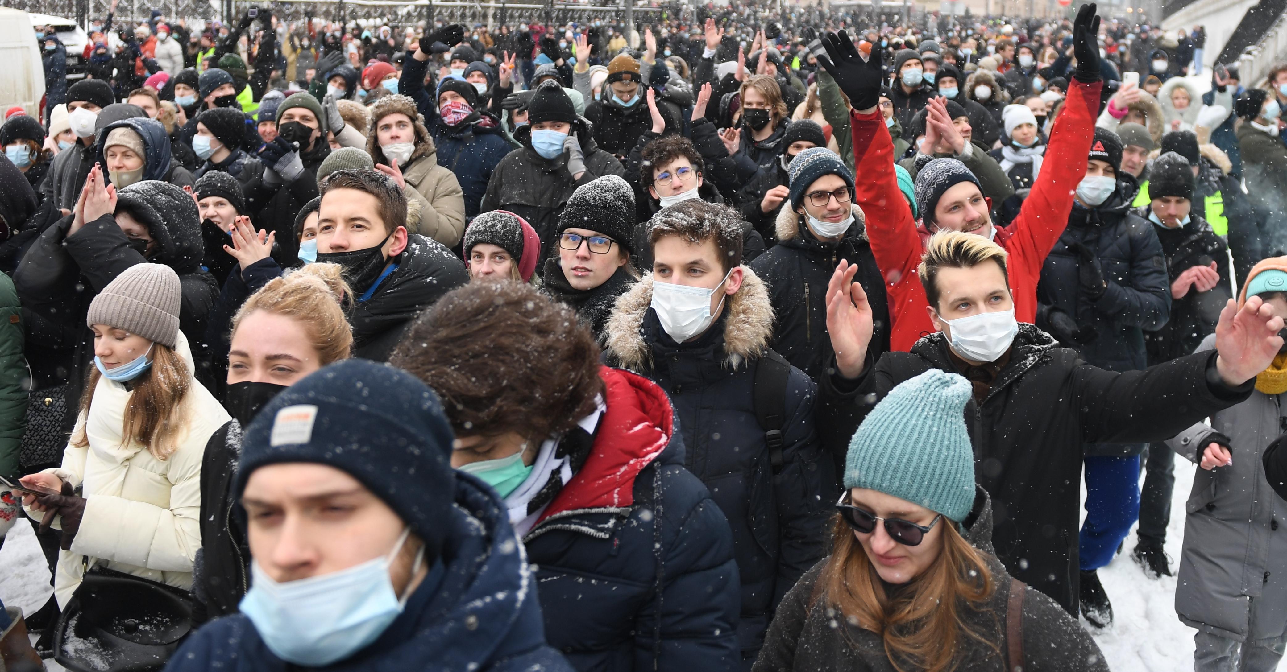 Főiskolai vezetők fenyegettek meg egy 18 éves orosz diákot, amiért elment az egyik Navalnij-tüntetésre