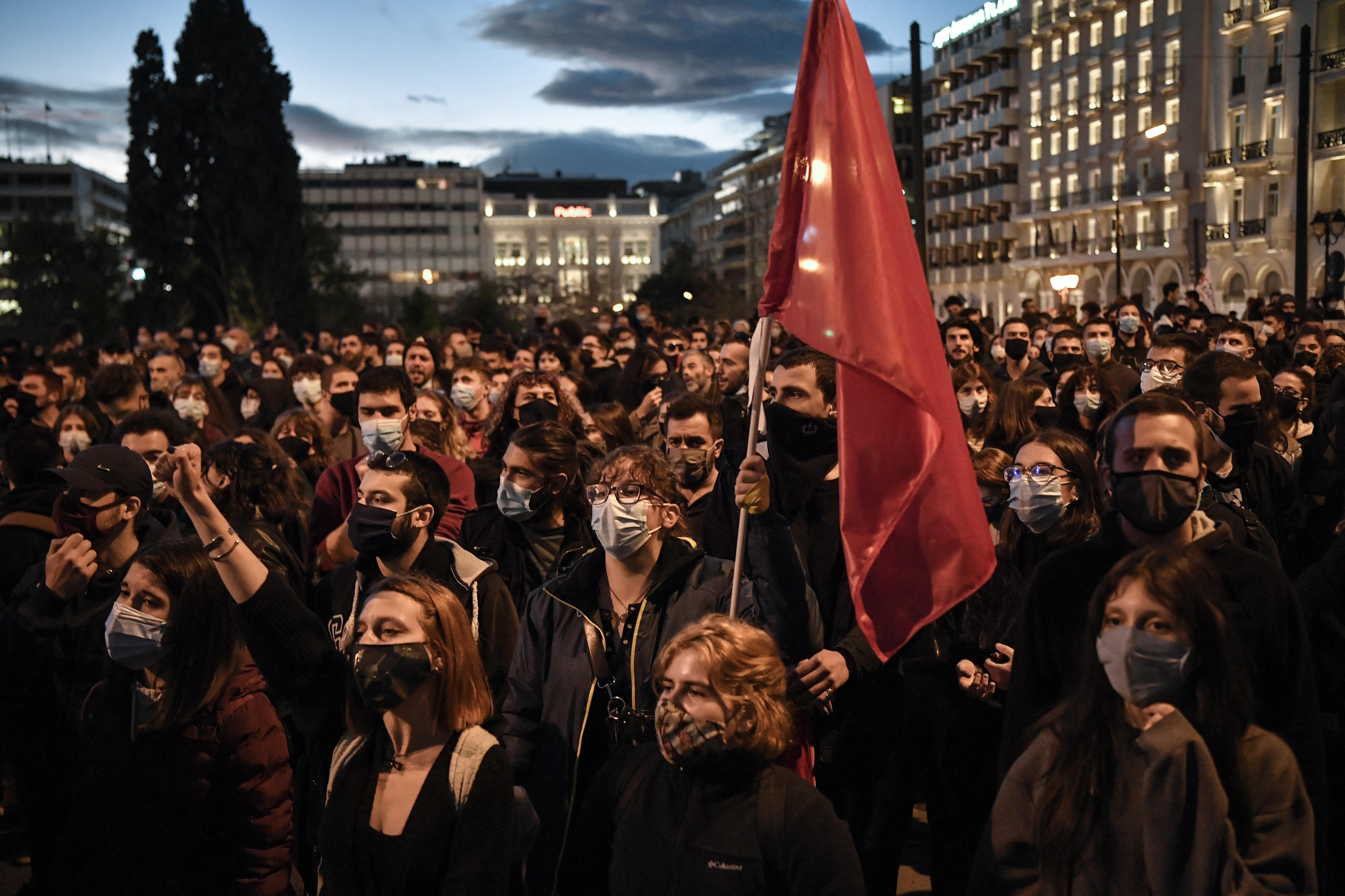 Elfogadták a görög törvényt, ami rendőröket állít az egyetemi kampuszokra