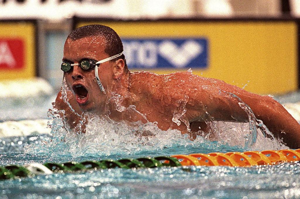 Gyertyákba rejtette a drogot az olimpikon úszó