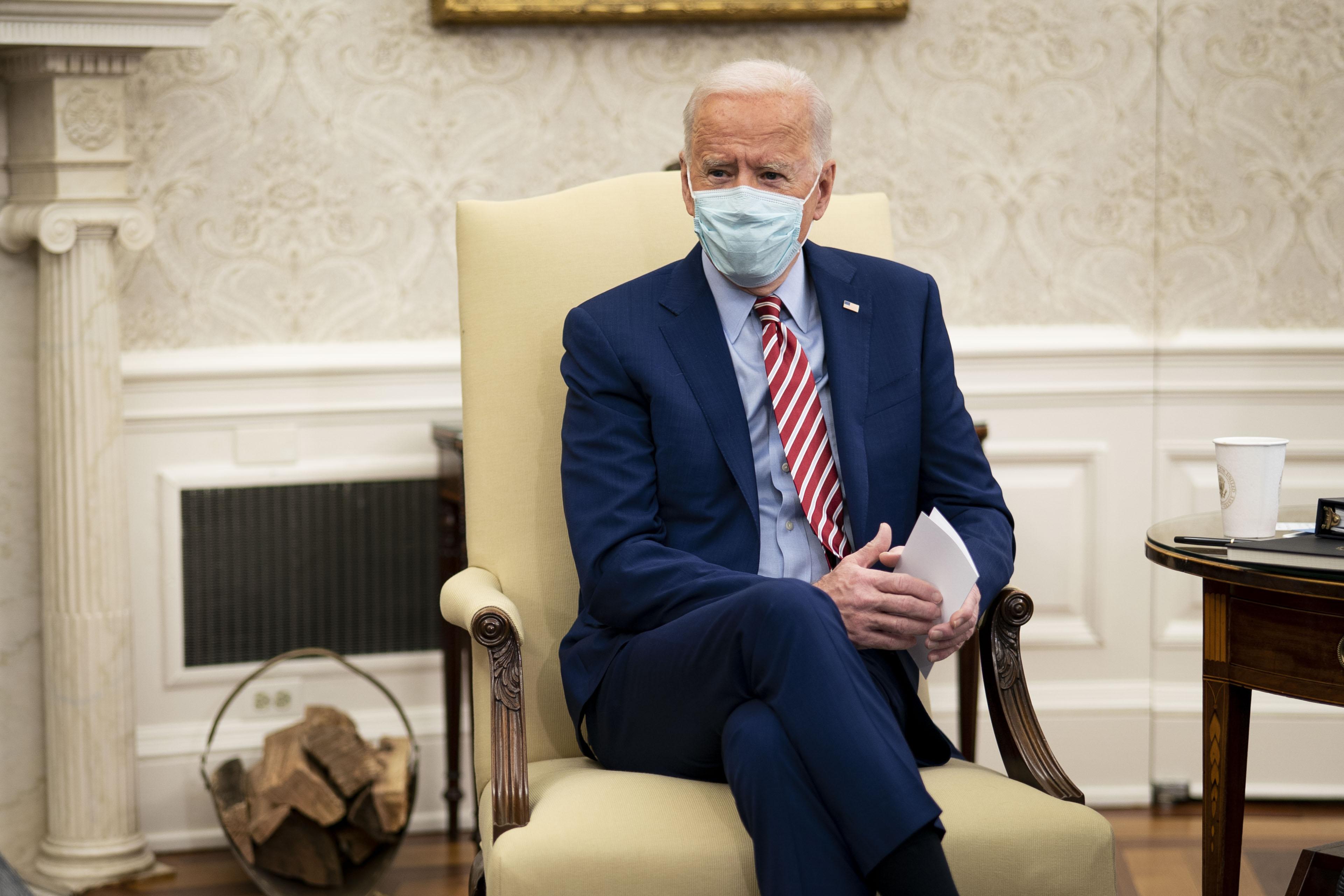 Joe Biden napirendje: reggel a First Ladyvel kávézik, este amerikai polgárok leveleit olvasgatja