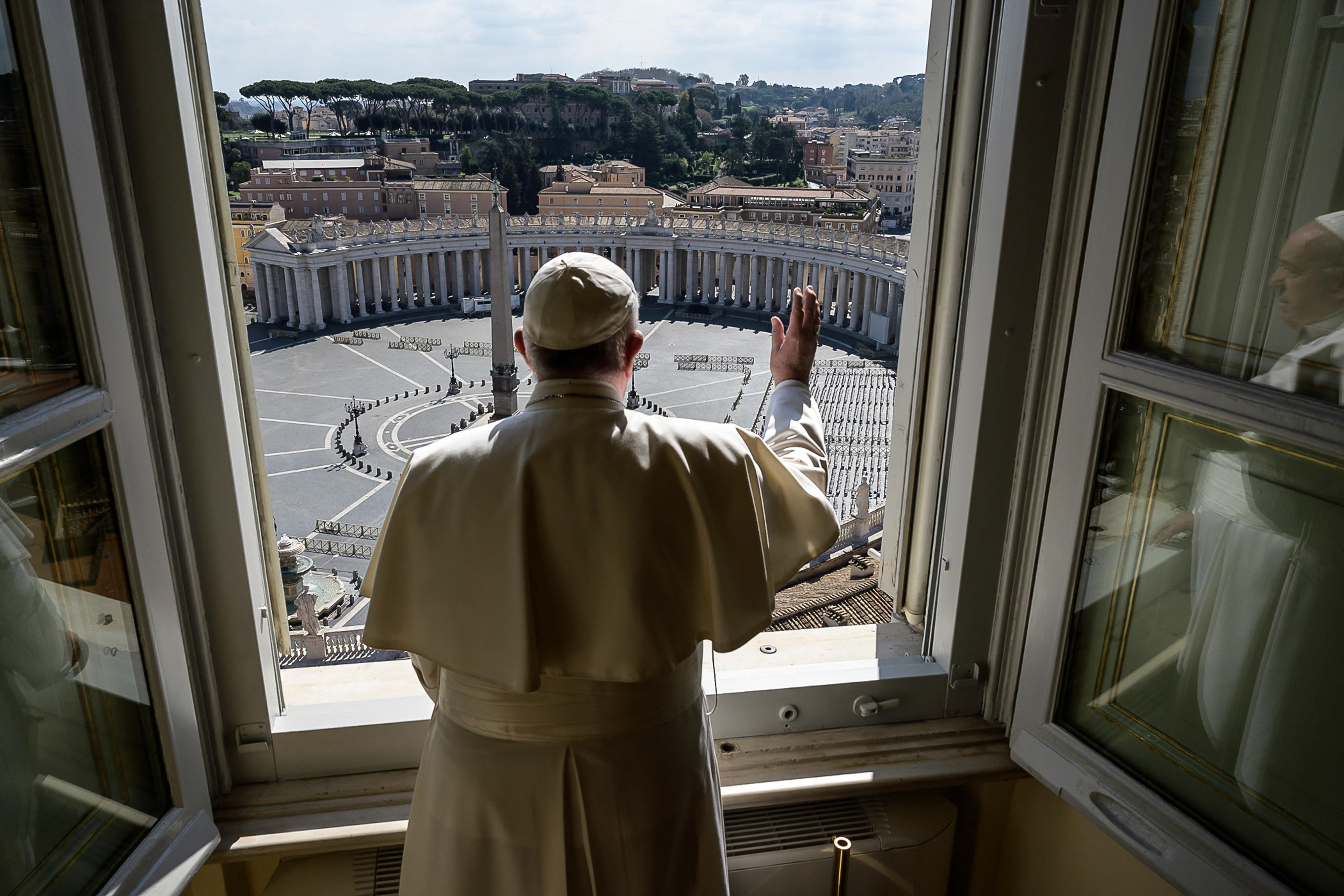 Kirúgás jár a Vatikánban azoknak, akik nem oltatják be magukat