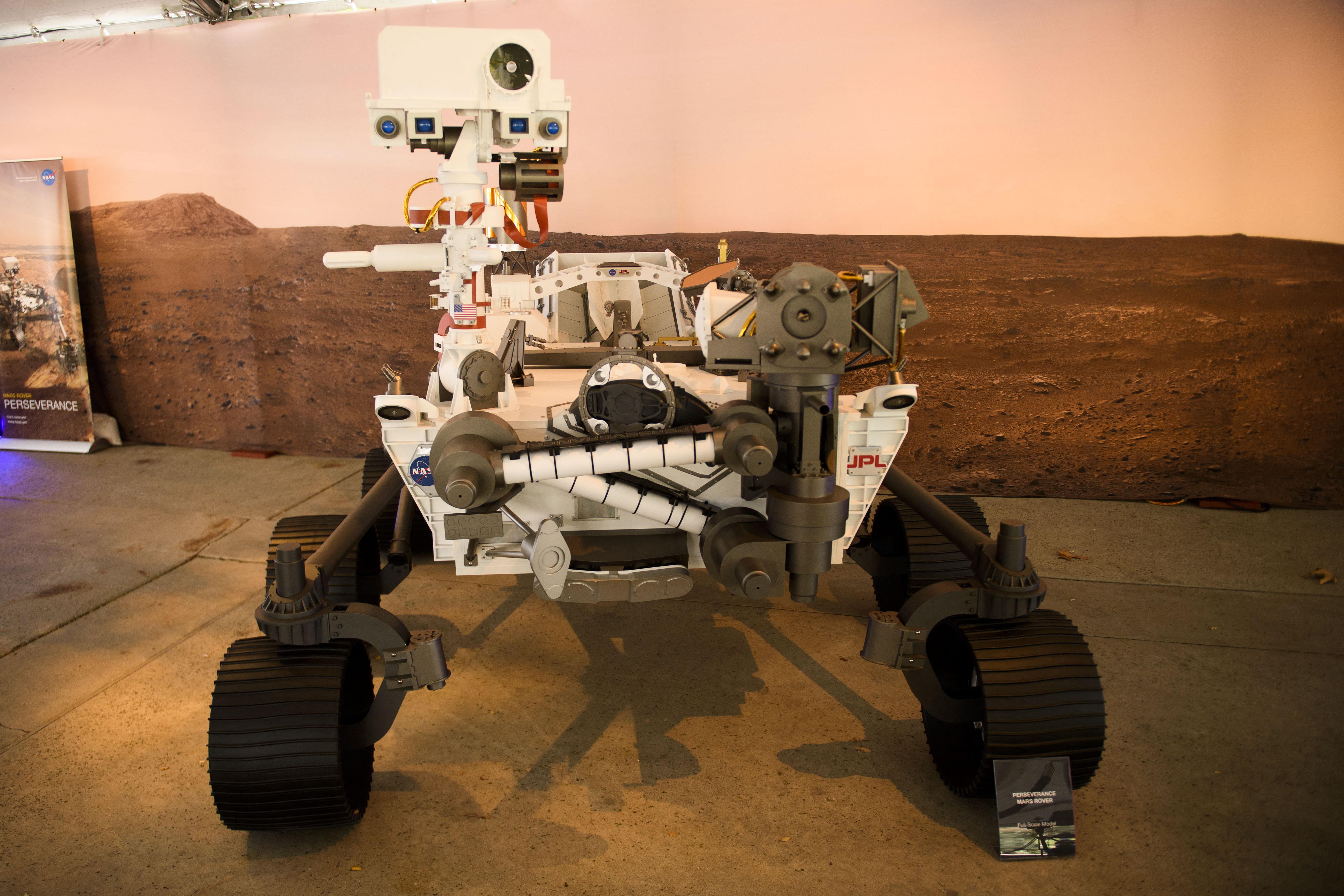 Sikeresen landolt a NASA marsjárója