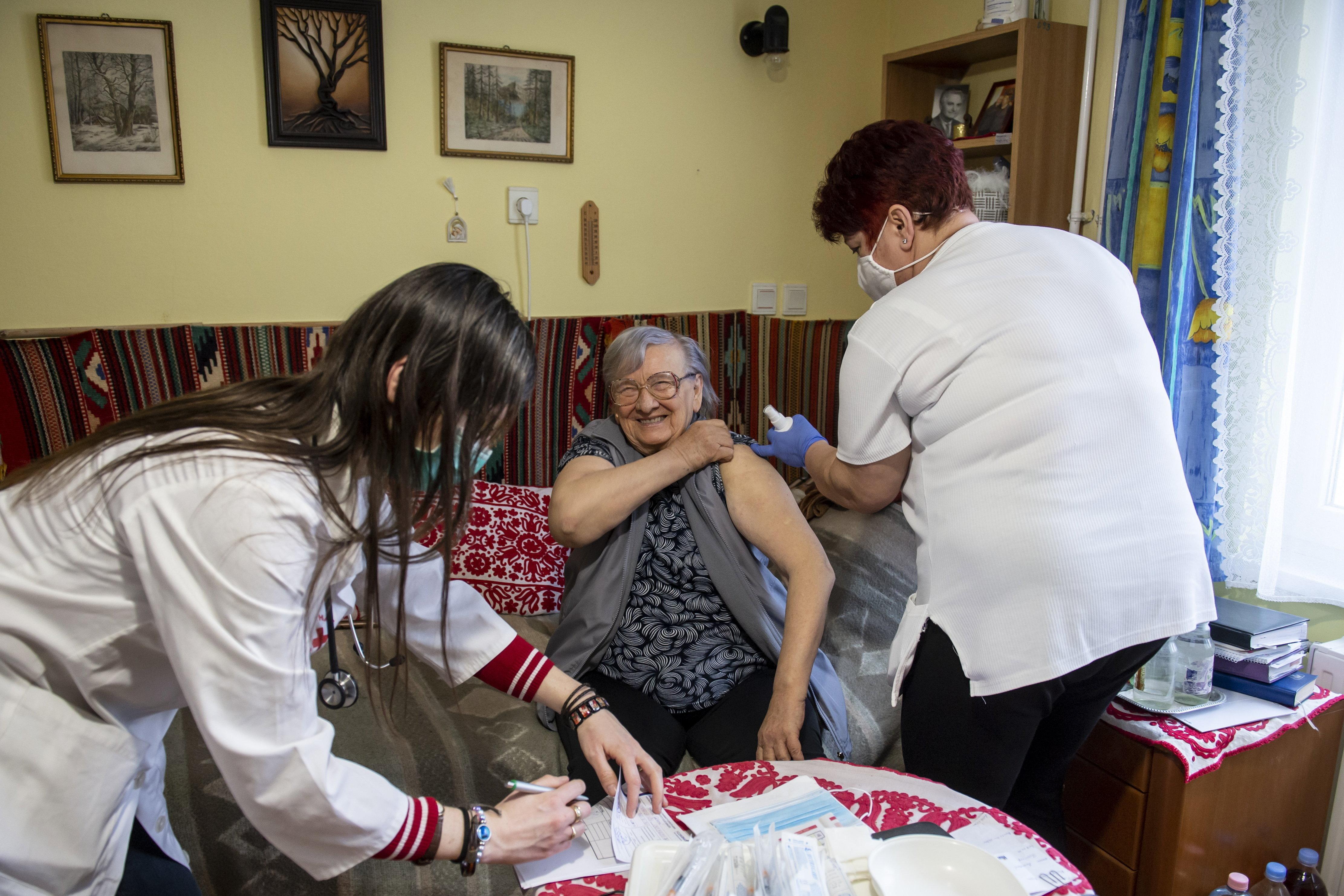 Újra látogathatók az idősotthonok