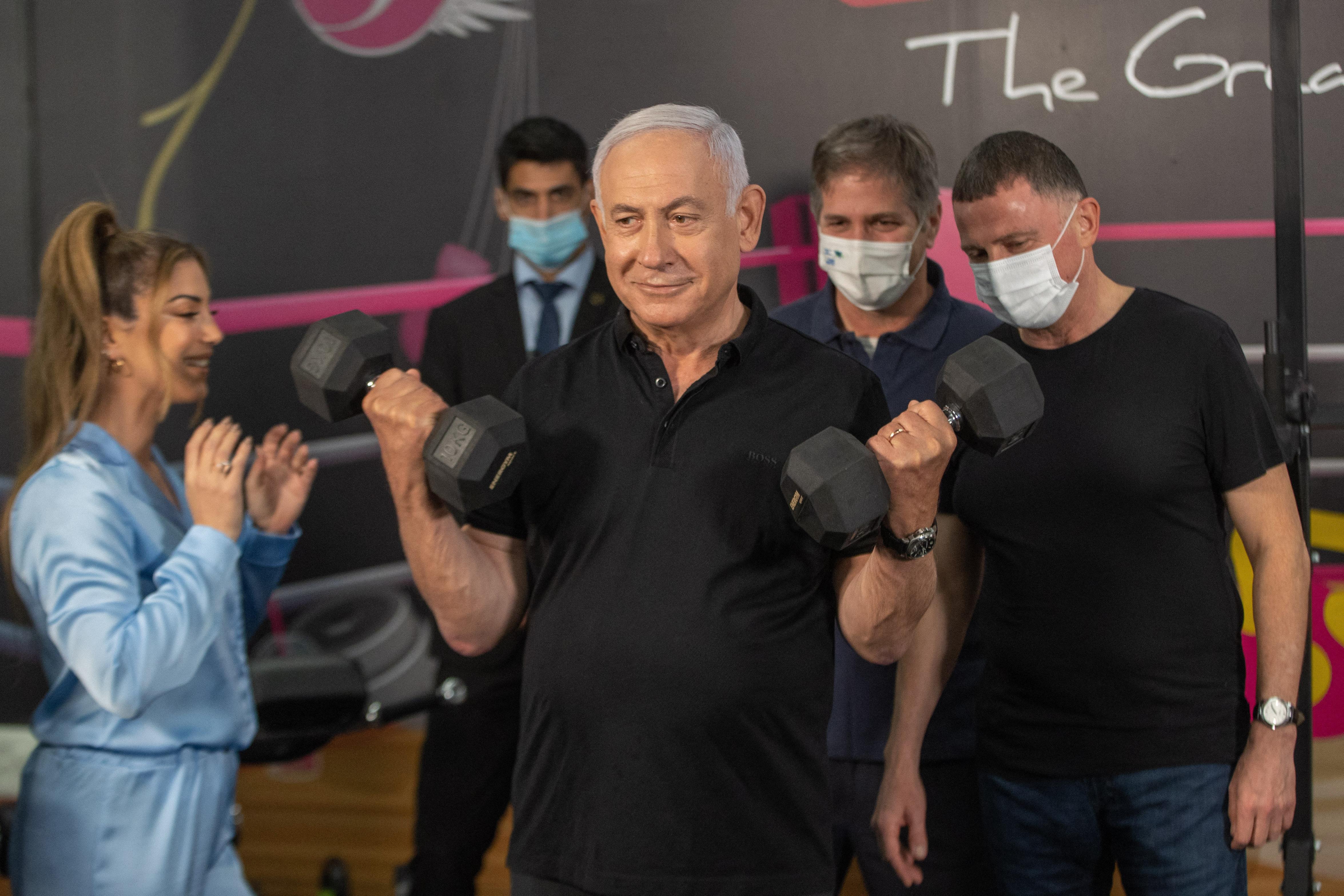 Izraelben az oltáskampány sikere miatt már lazíthatnak