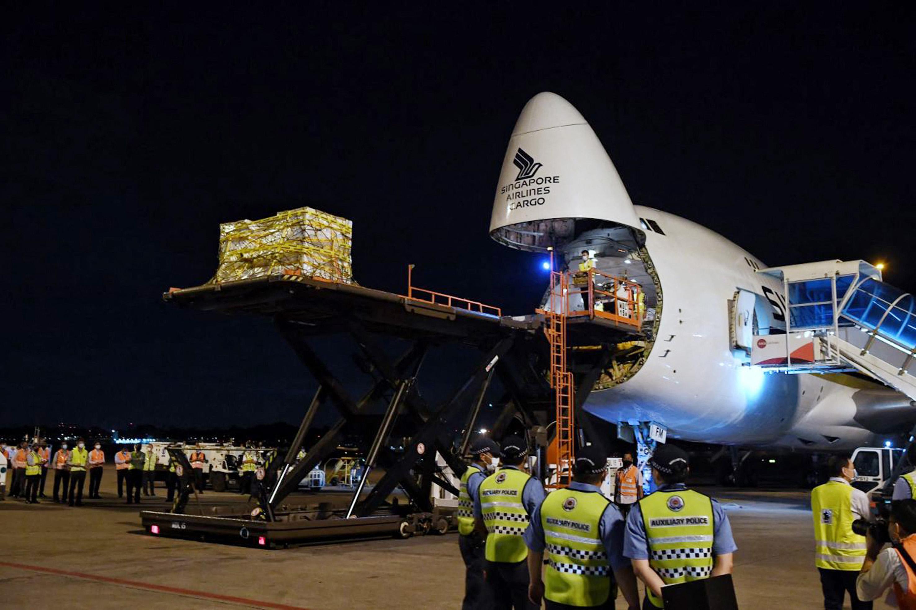 Egy Boeing 747-esről is potyogtak az alkatrészek a hétvégén