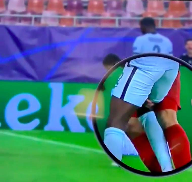 Luis Suarez megújult: harapás helyet csíp-csíp-csókát játszott Rüdiger combjával