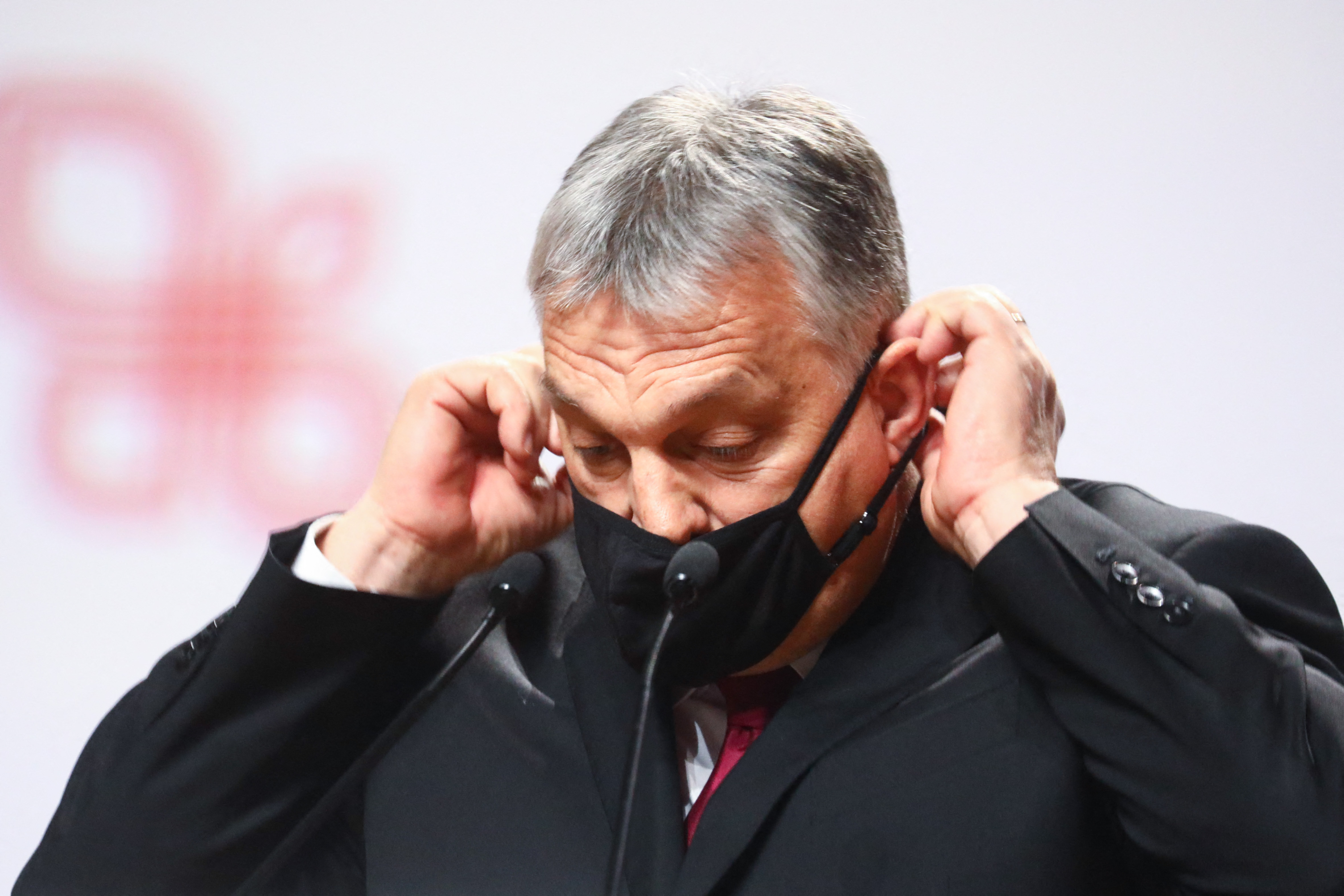 A számok alapján Orbán már most szigoríthatna
