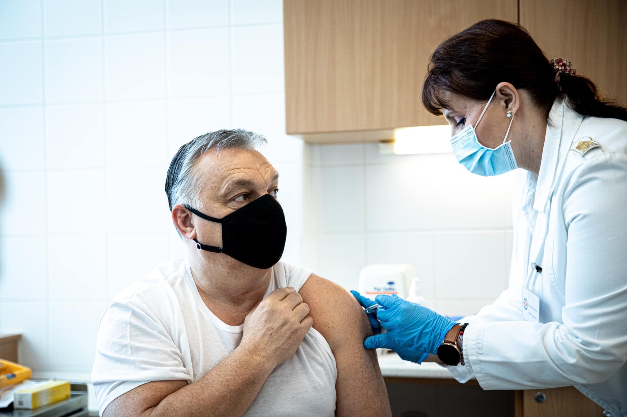 A kormány nem akarja beismerni, pedig világos: a kínai vakcina sok idősnél nem működik megfelelően