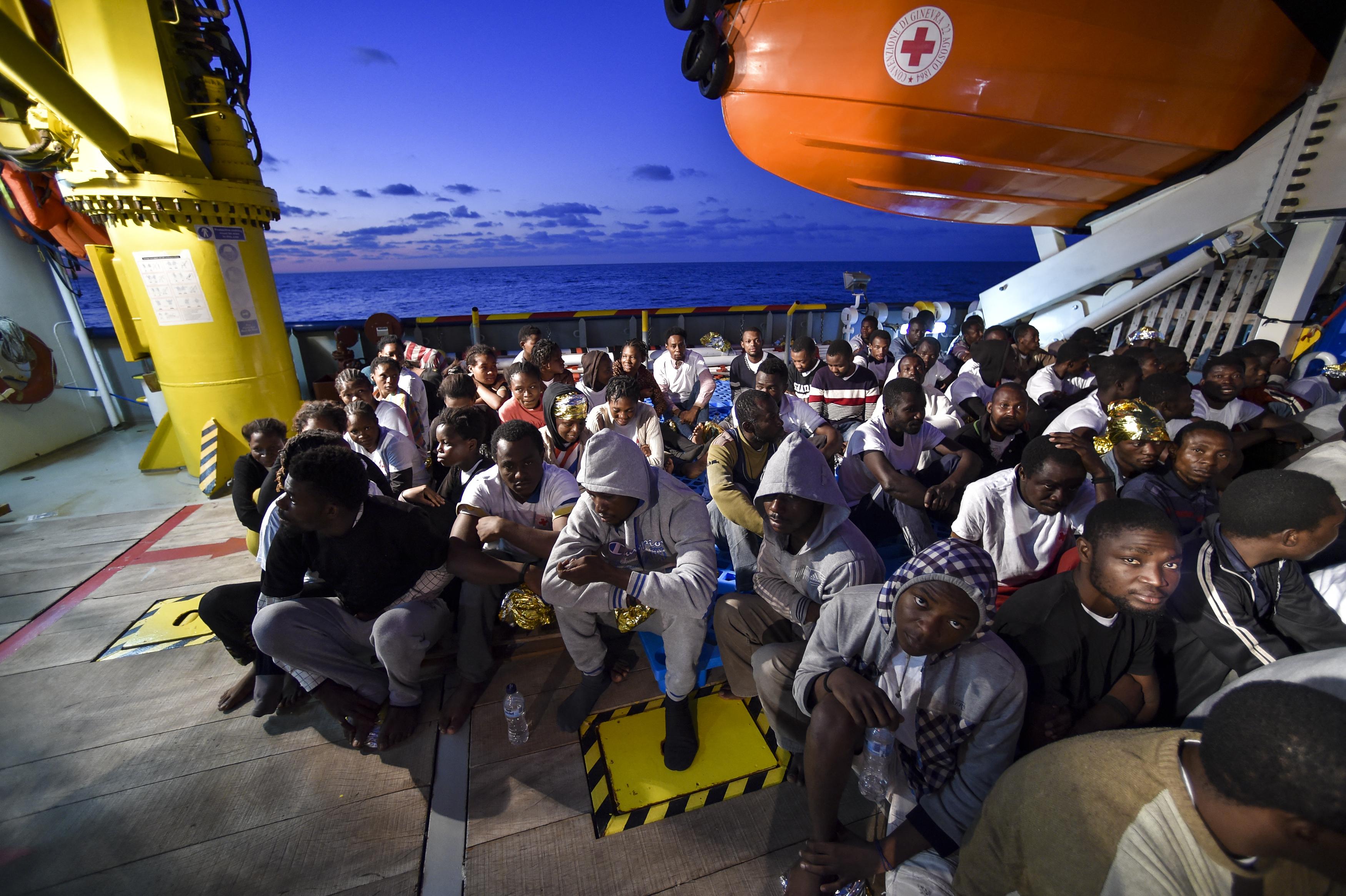 Az EU tagállamai több mint 2000 bevándorló halálát okozták a járvány alatt