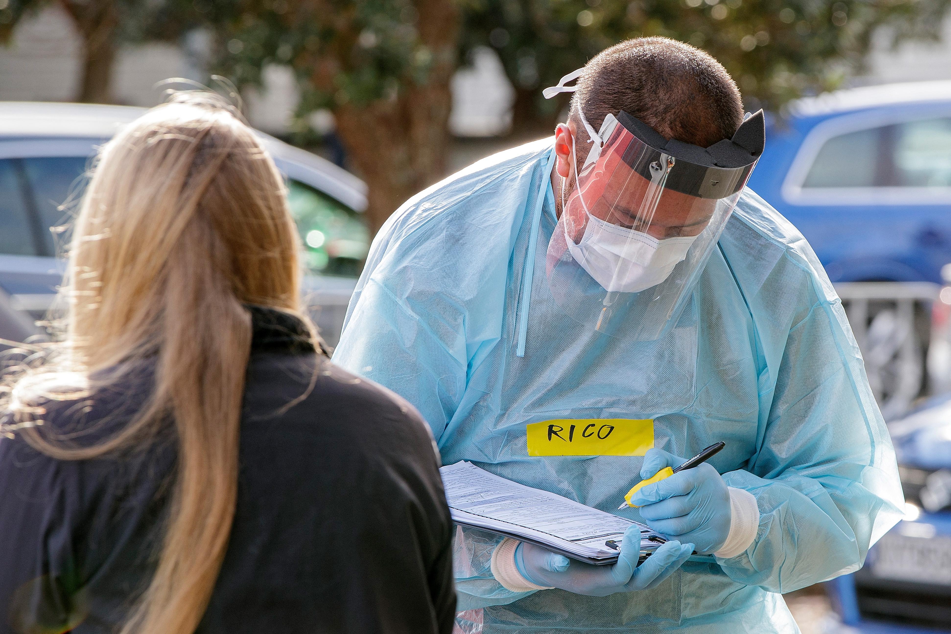 Véget ért az egy fertőzött miatt elrendelt egyhetes zár Aucklandben