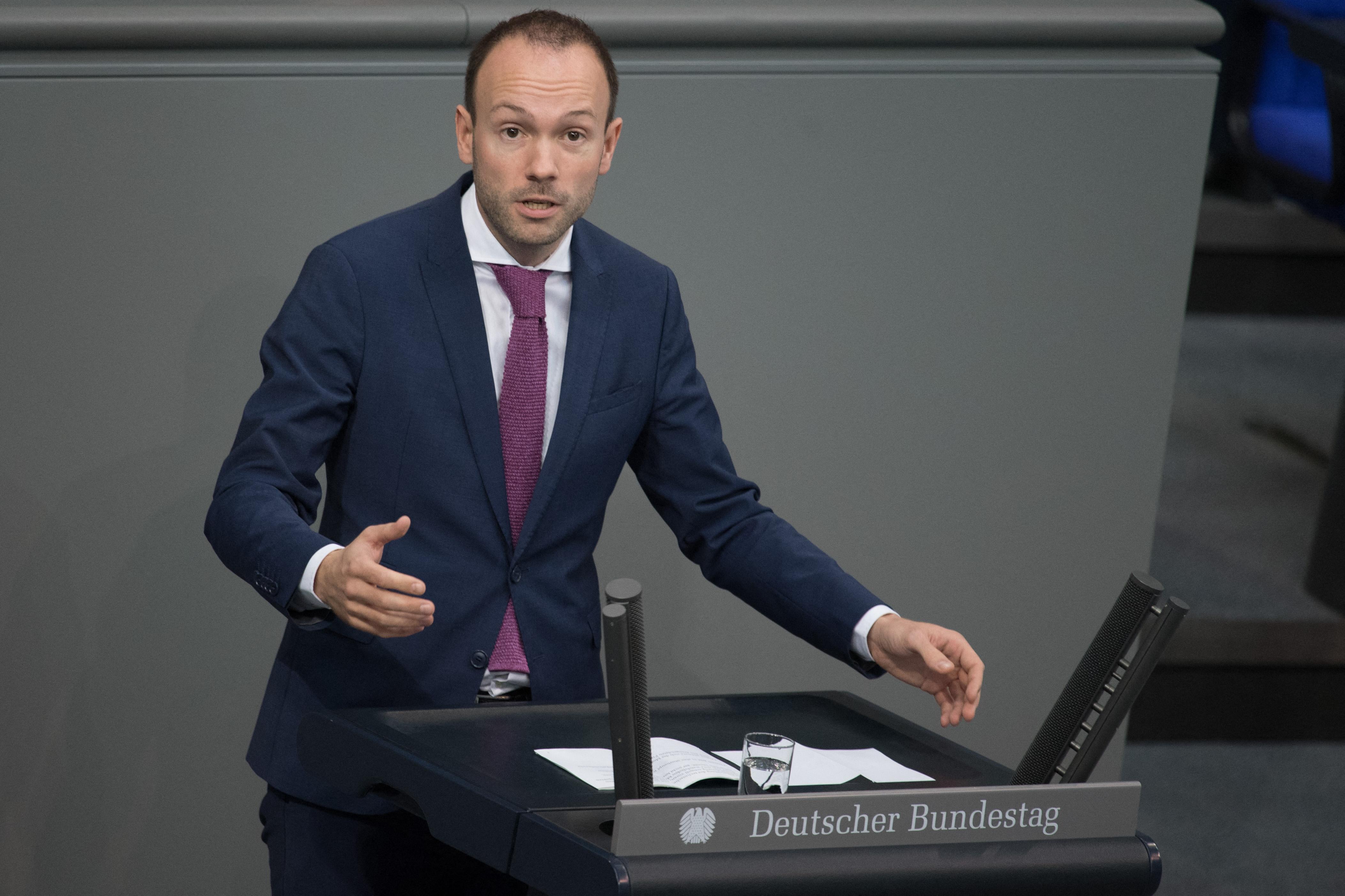 Rengeteget keresett a maszkbizniszen, lemond a CDU-s képviselő