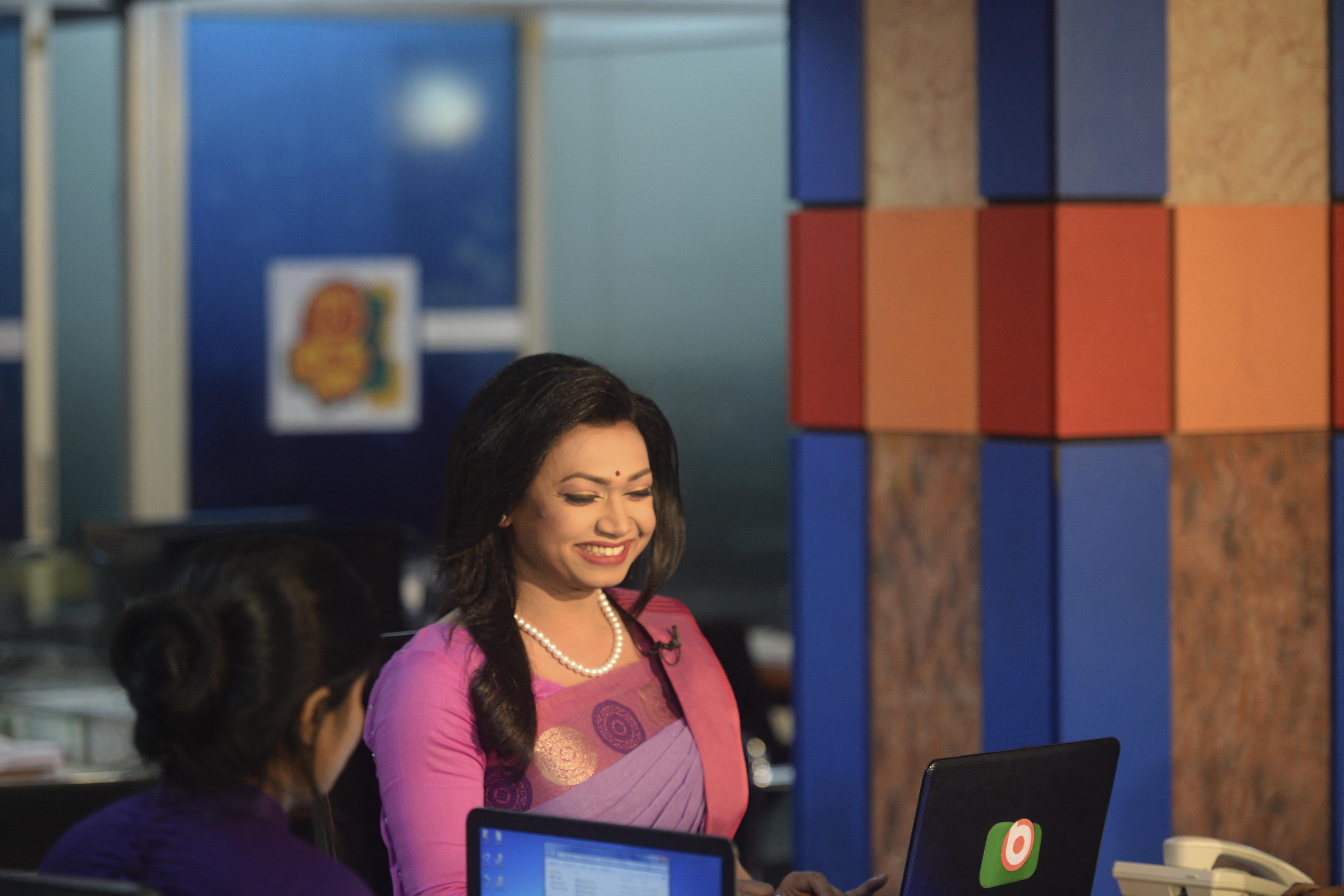 Debütált Banglades első transznemű híradósa
