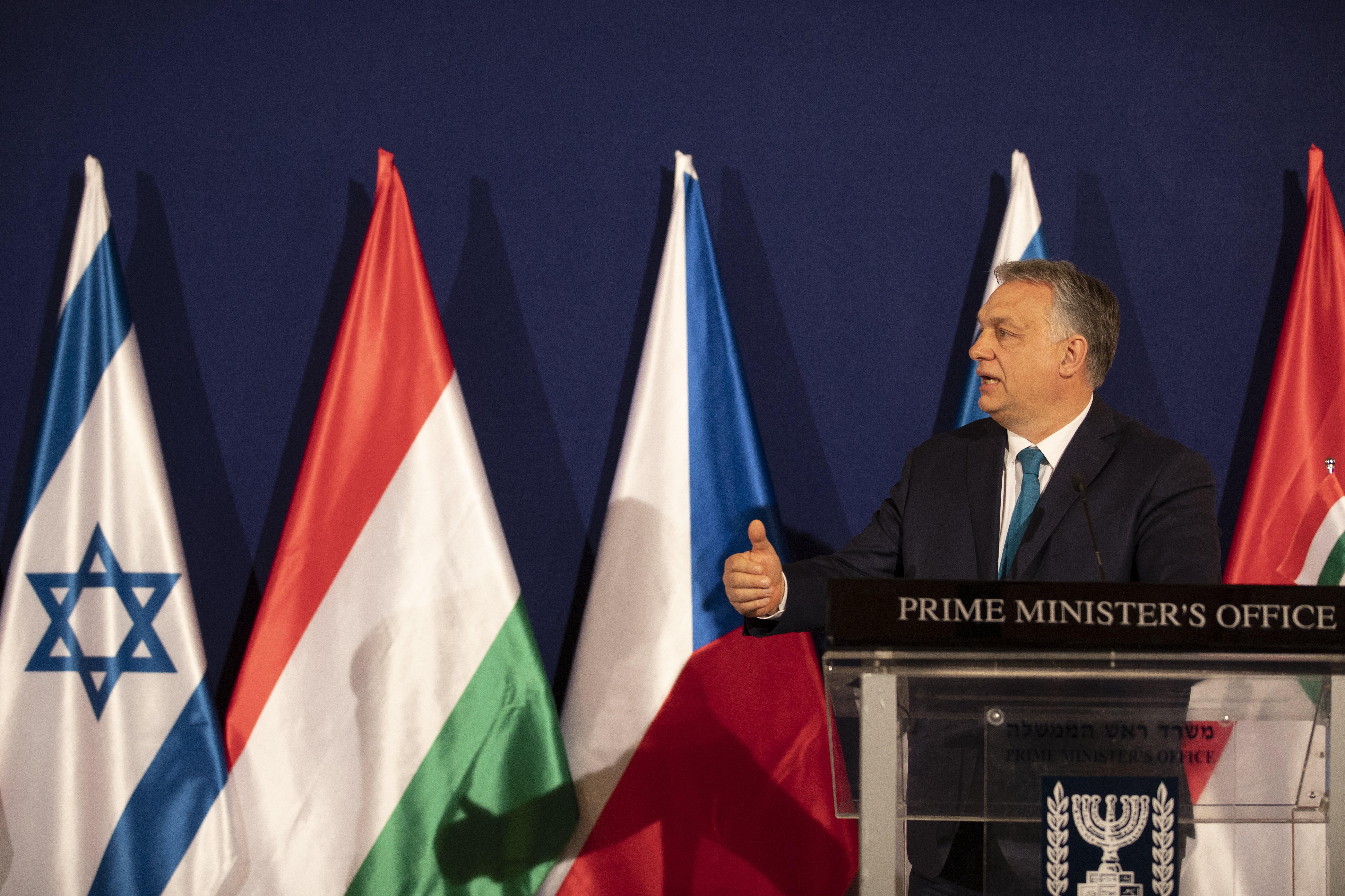 """Orbán megállapodott az izraeli kormányfővel a """"zöld"""" oltási útlevél kölcsönös elfogadásáról"""