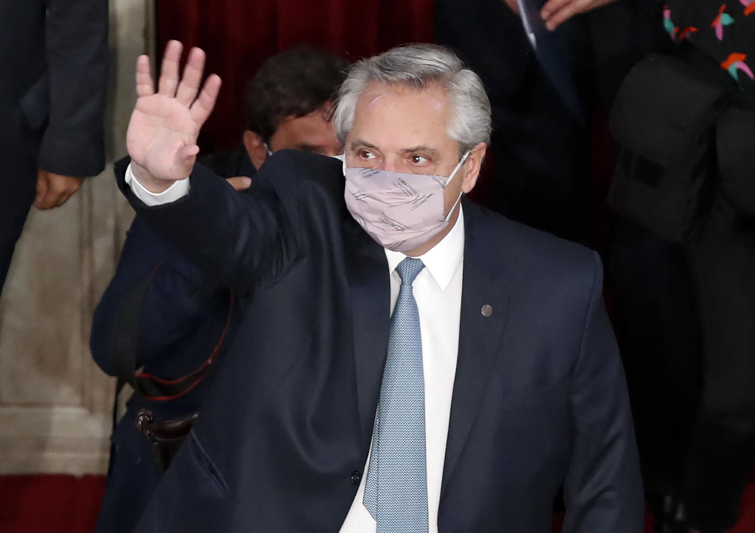 Megdobálták az argentin elnök autóját Patagóniában