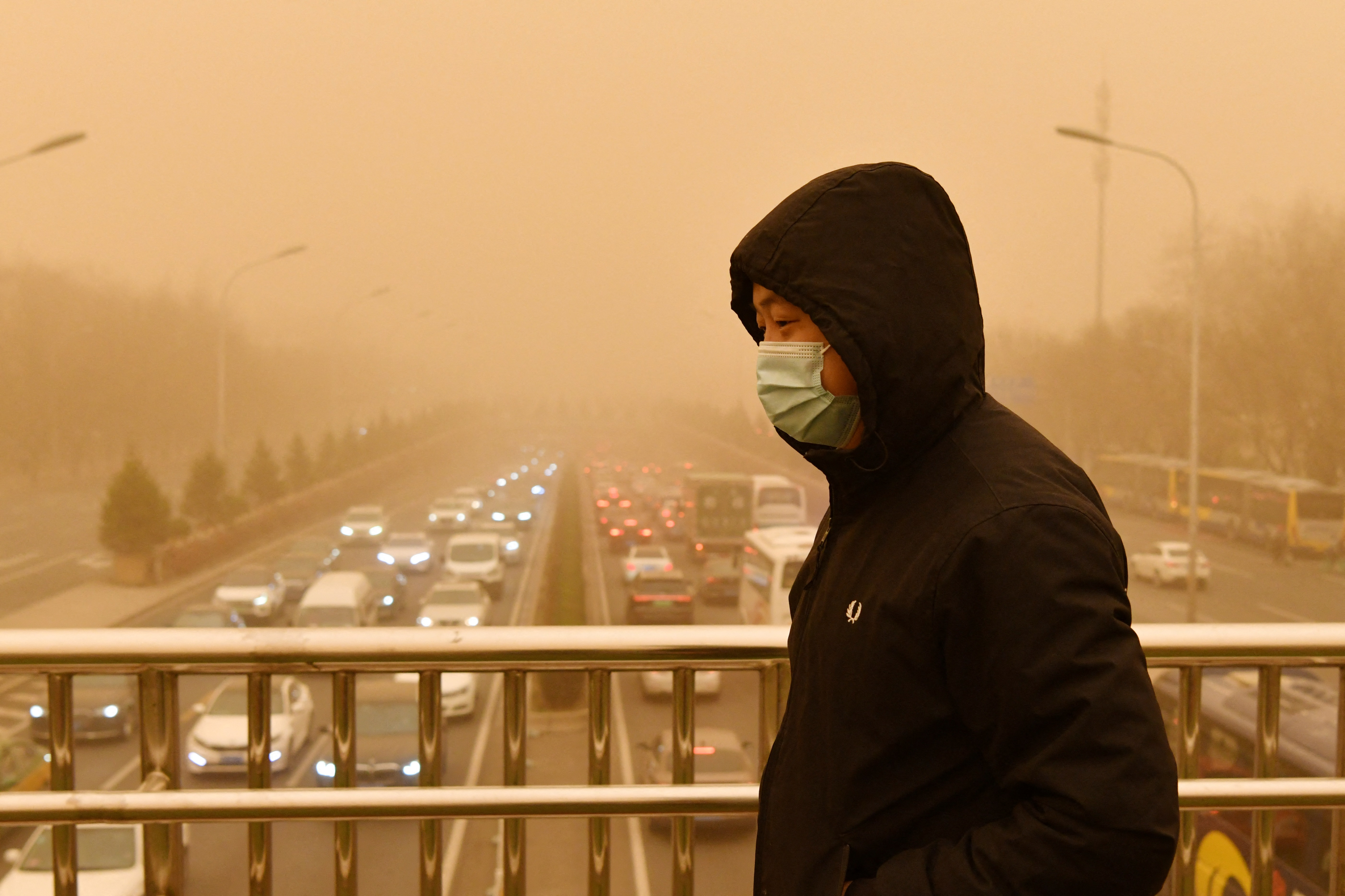Homokviharral küzd Peking