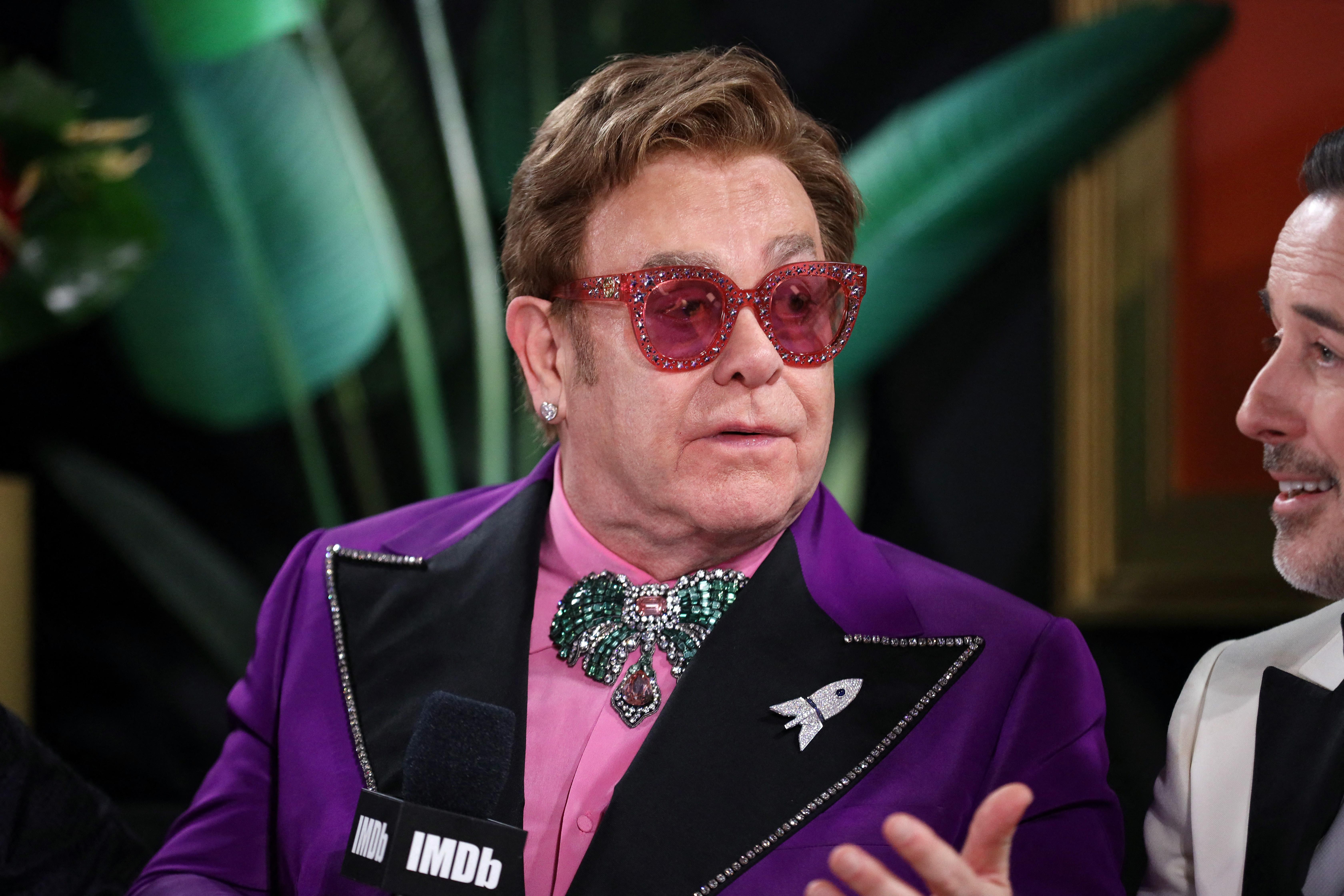 Elton John képmutatónak nevezte a Vatikánt