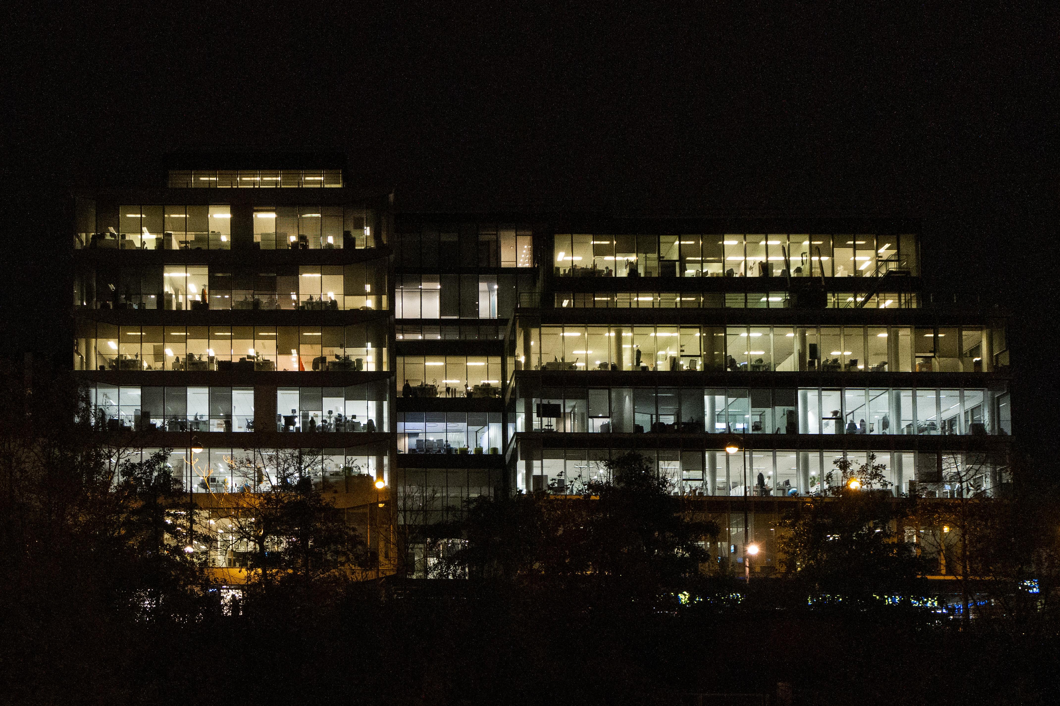 Heti 80 órás munkaóra-limitet akarnak a Goldman Sachs pályakezdői