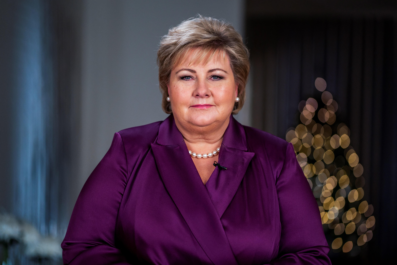 Nyomoznak a norvég miniszterelnök ellen, mert tíznél több ember volt a születésnapján