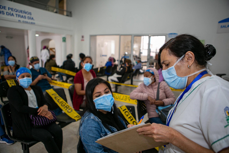 Lemondott Ecuador három hete kinevezett egészségügyi minisztere, mert nyomozás indult ellene soron kívüli védőoltások miatt