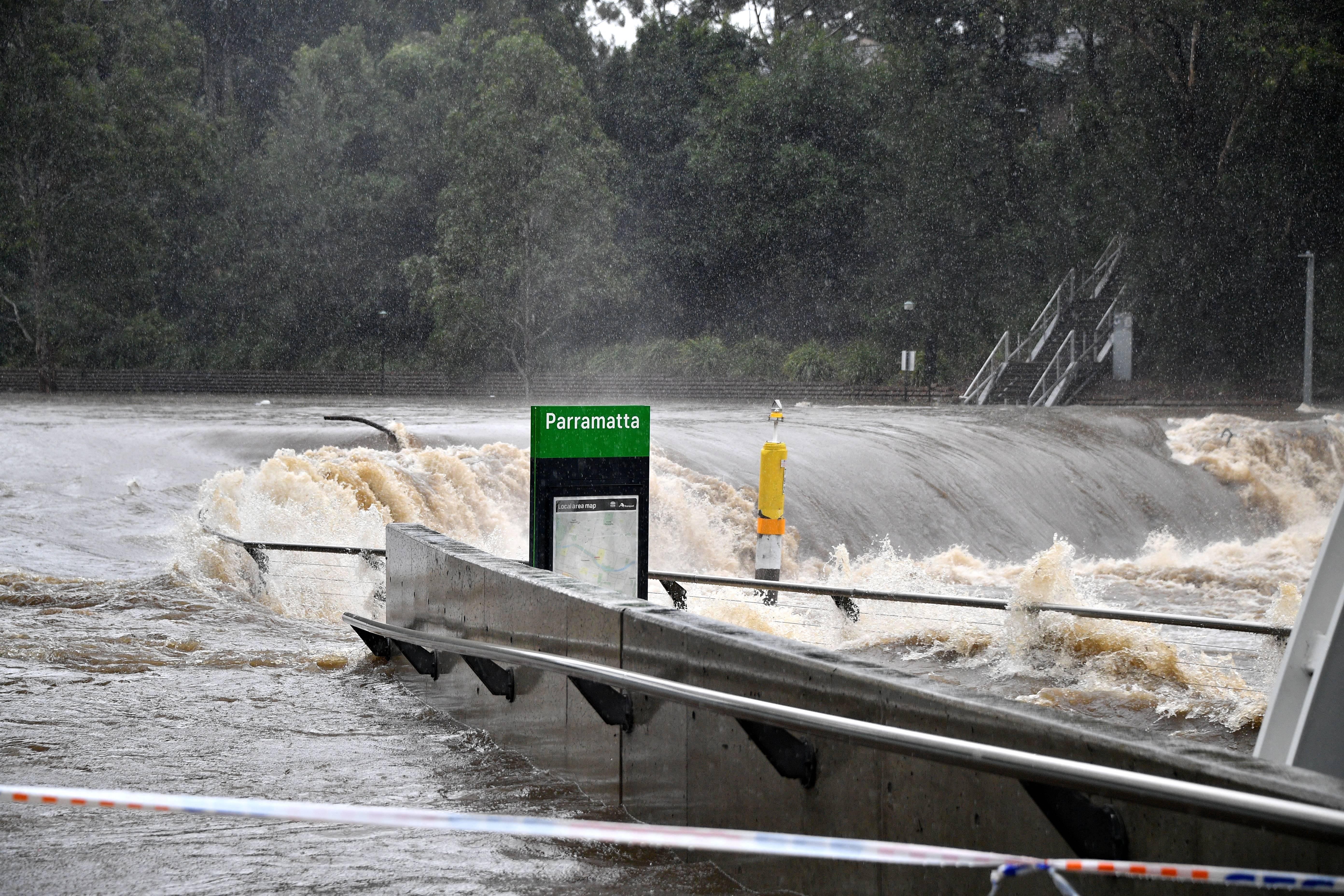 Hatalmas áradásokra készülnek Ausztráliában