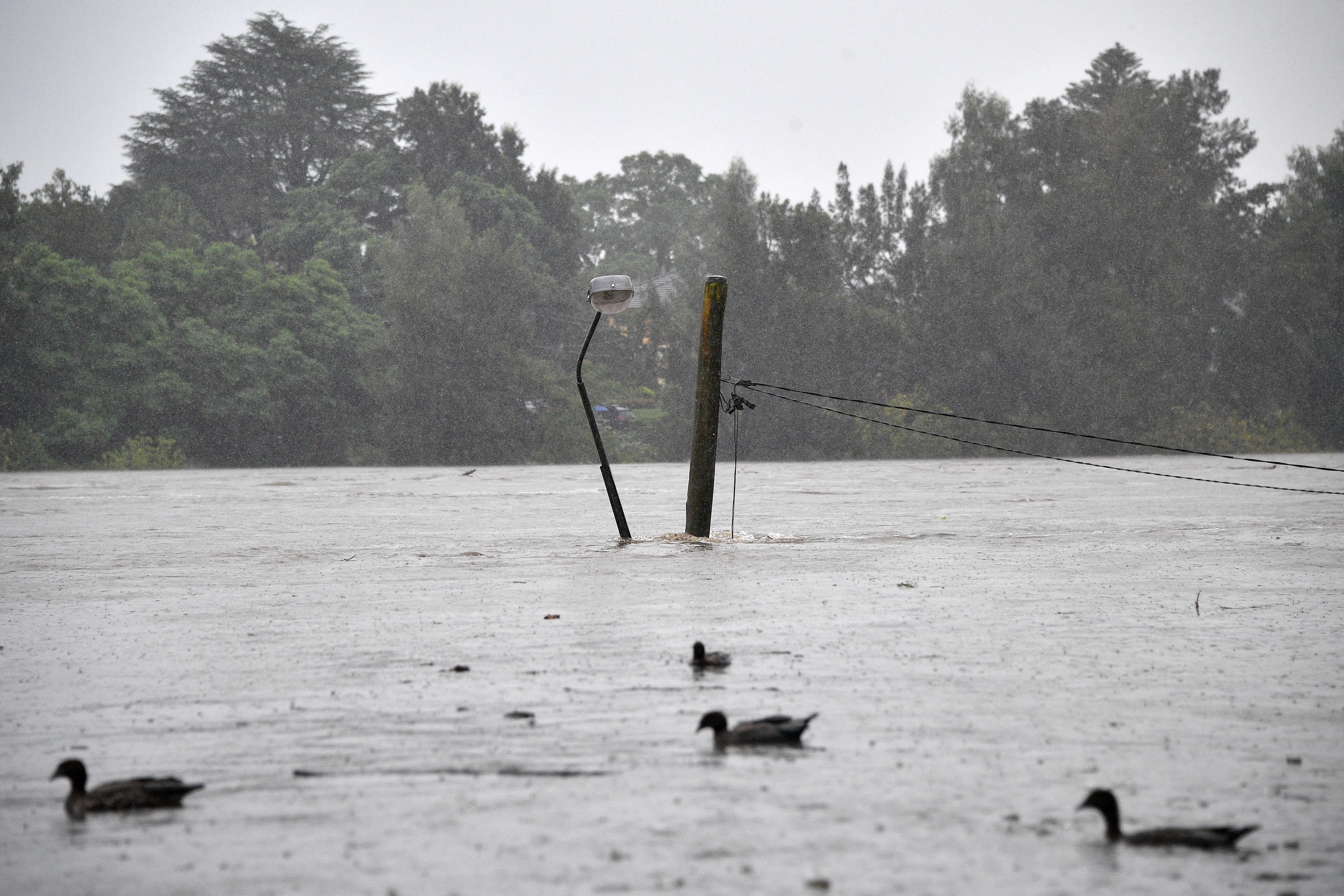 Sydney környékén már több ezer embert kellett evakuálni az áradások miatt