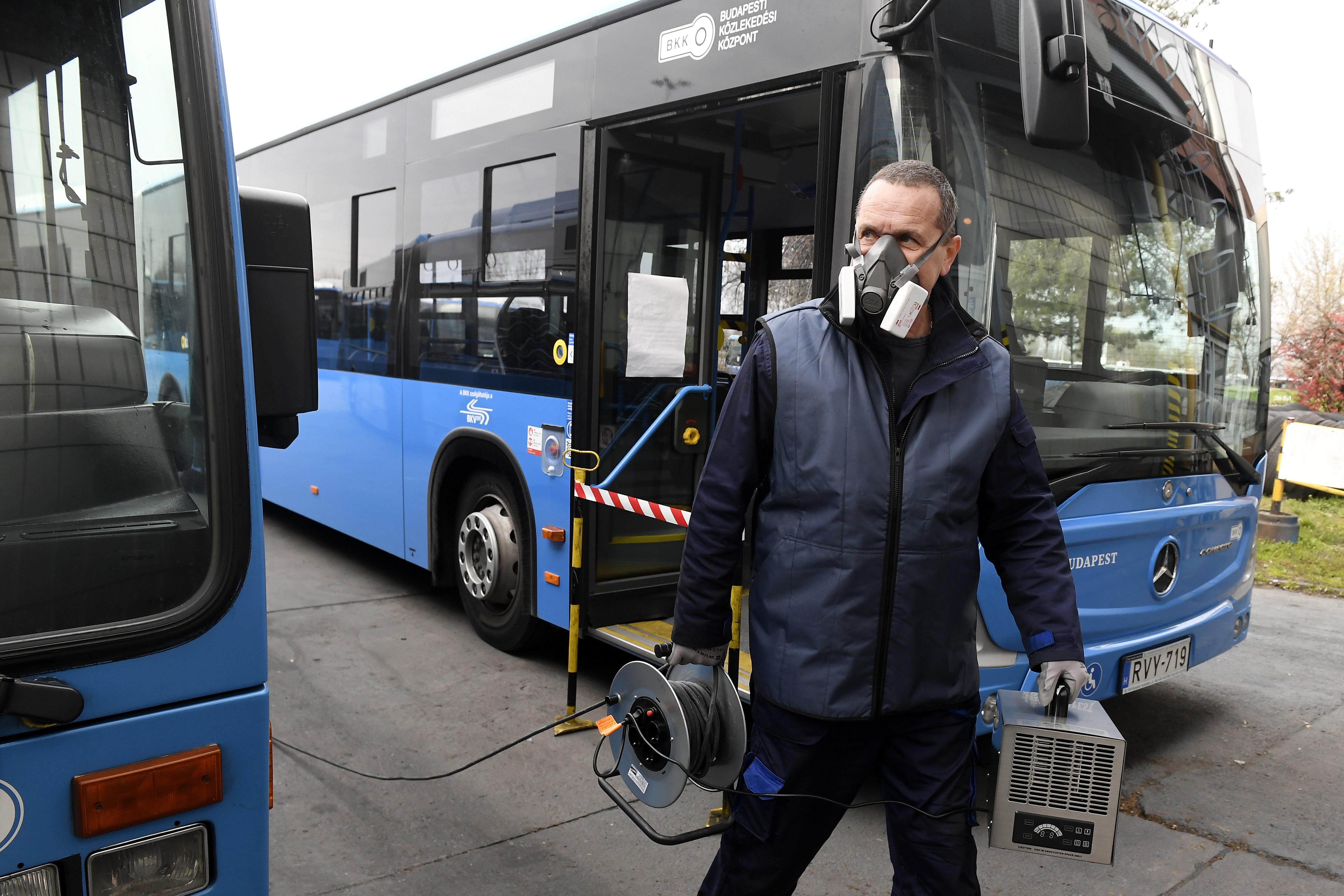 Már a BKV-sofőrök 10 százaléka kiesett a koronavírus miatt