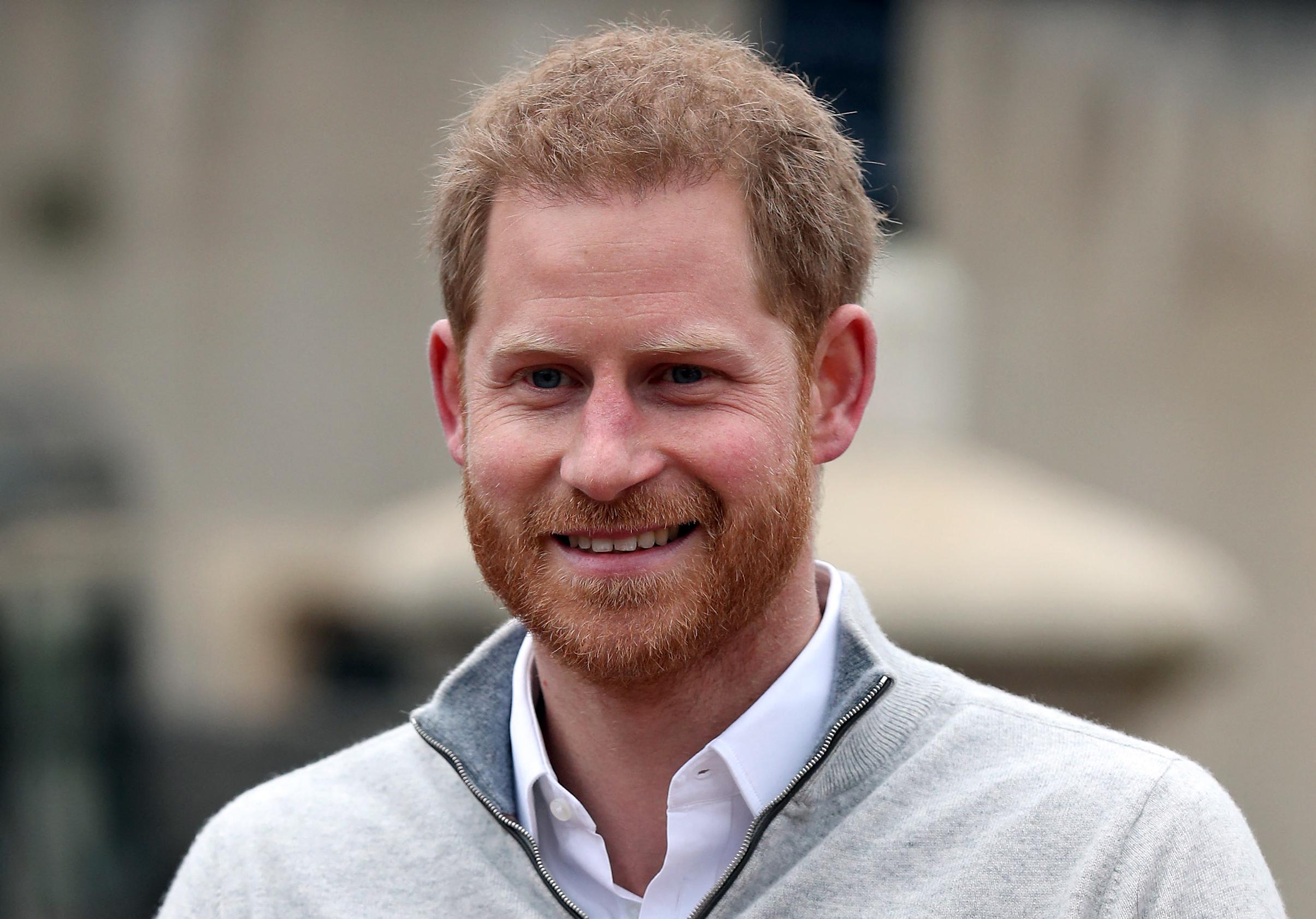 Harry herceg munkát vállal
