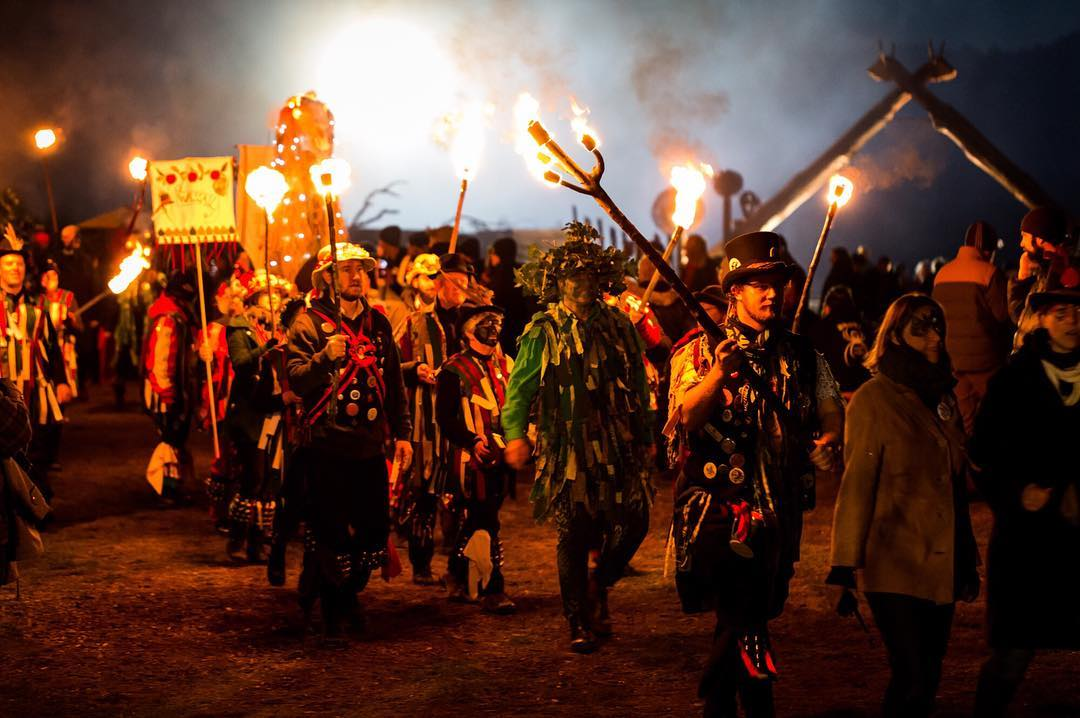 Mégsem mártják őslakosok vérébe a brit zászlót egy ausztrál művészeti fesztiválon