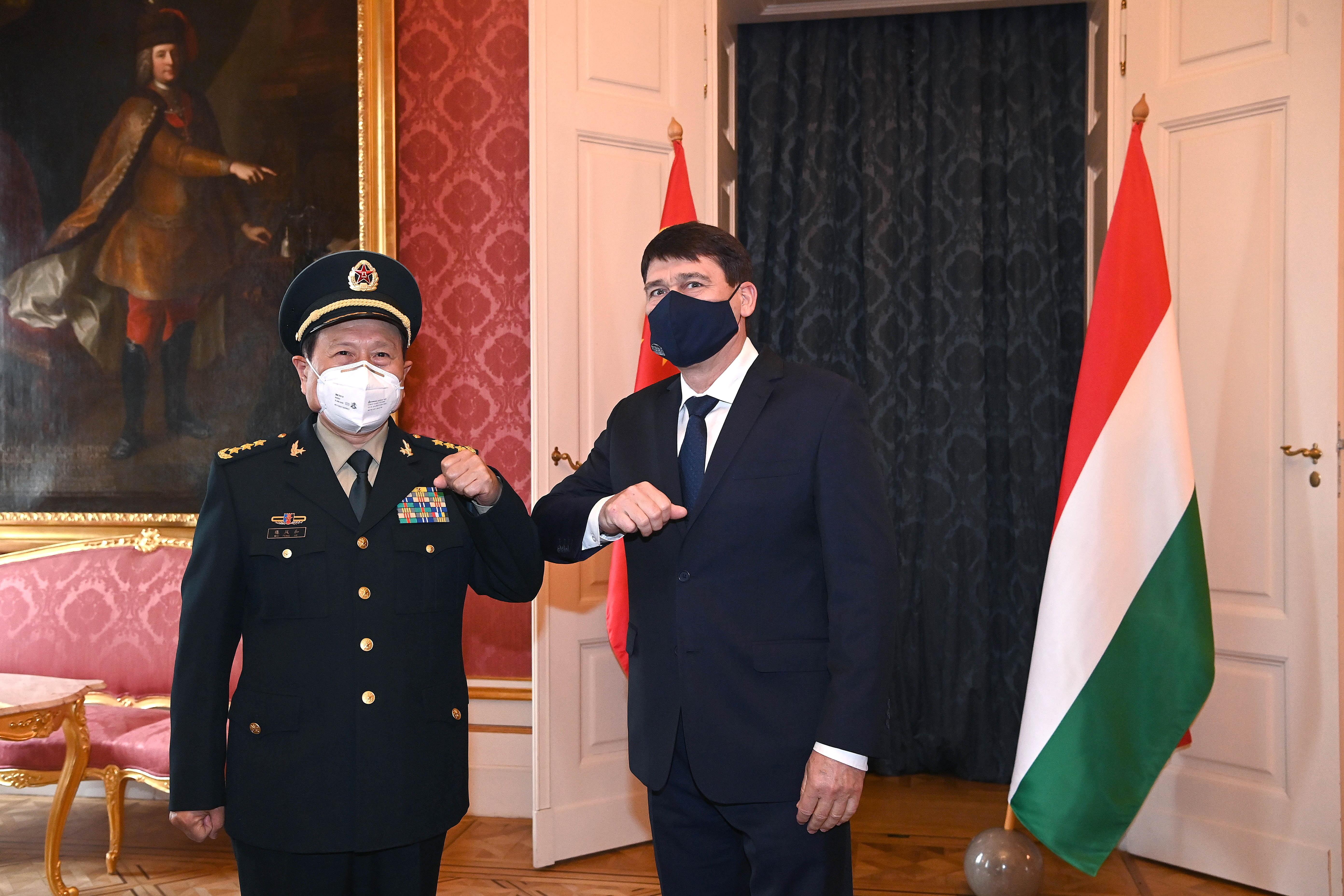 """Áder kínai vendége megköszönte Magyarország határozott támogatását és """"igazságos szavait"""""""