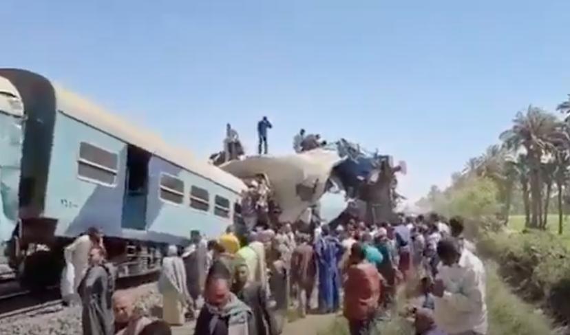 Összeütközött két vonat Egyiptomban, legalább 32 ember meghalt