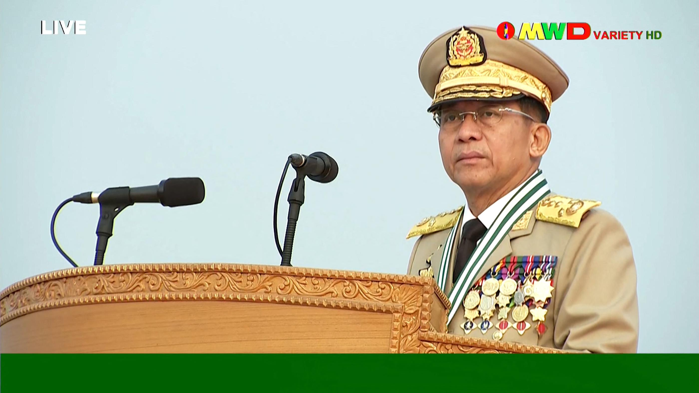 16 embert öltek meg Mianmarban, miután a hadsereg megüzente, hogy fejbe lőhetik a tüntetésen résztvevőket