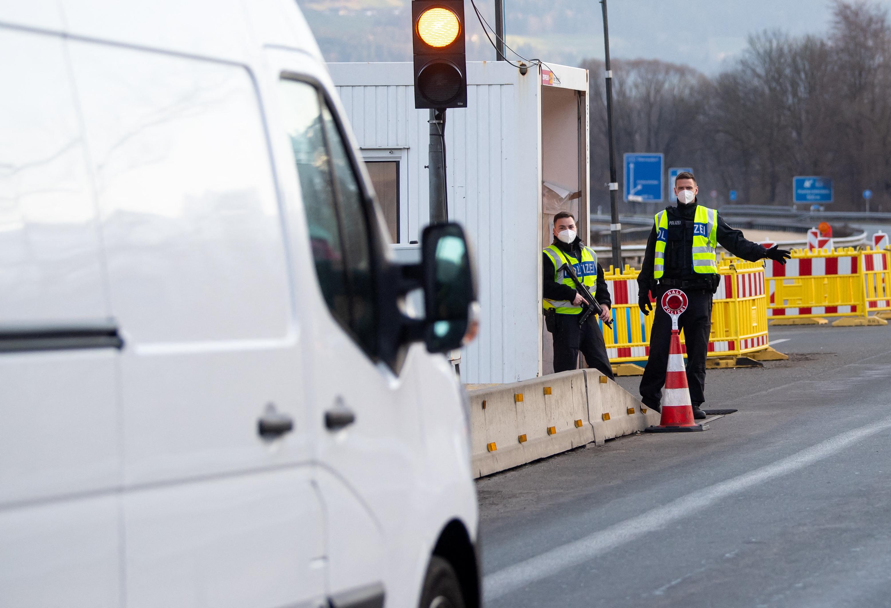 Újabb kiutazási tilalmat vezettek be Tirolban