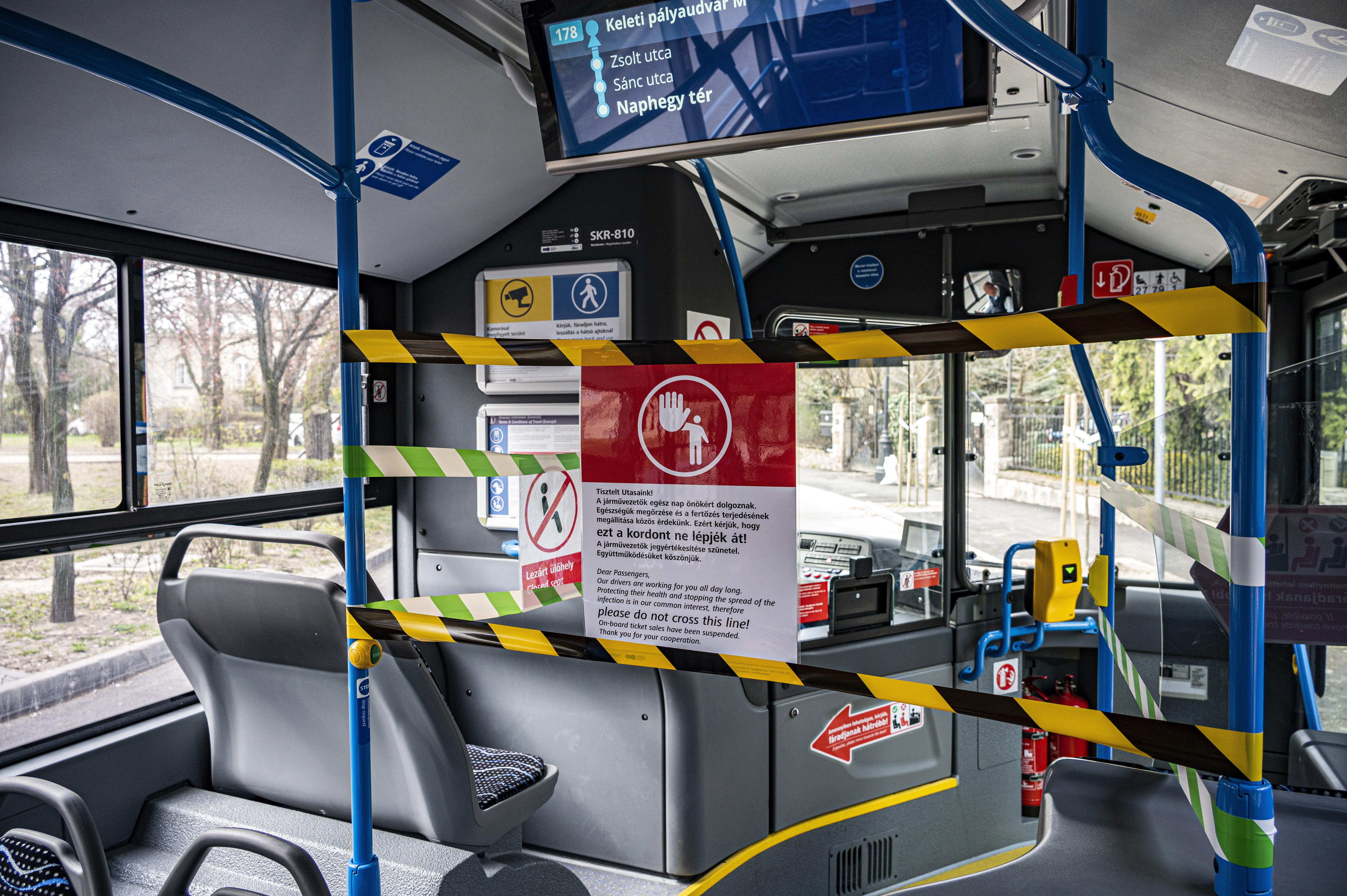 Csütörtöktől újra lehet előre ülni a buszokon, trolikon