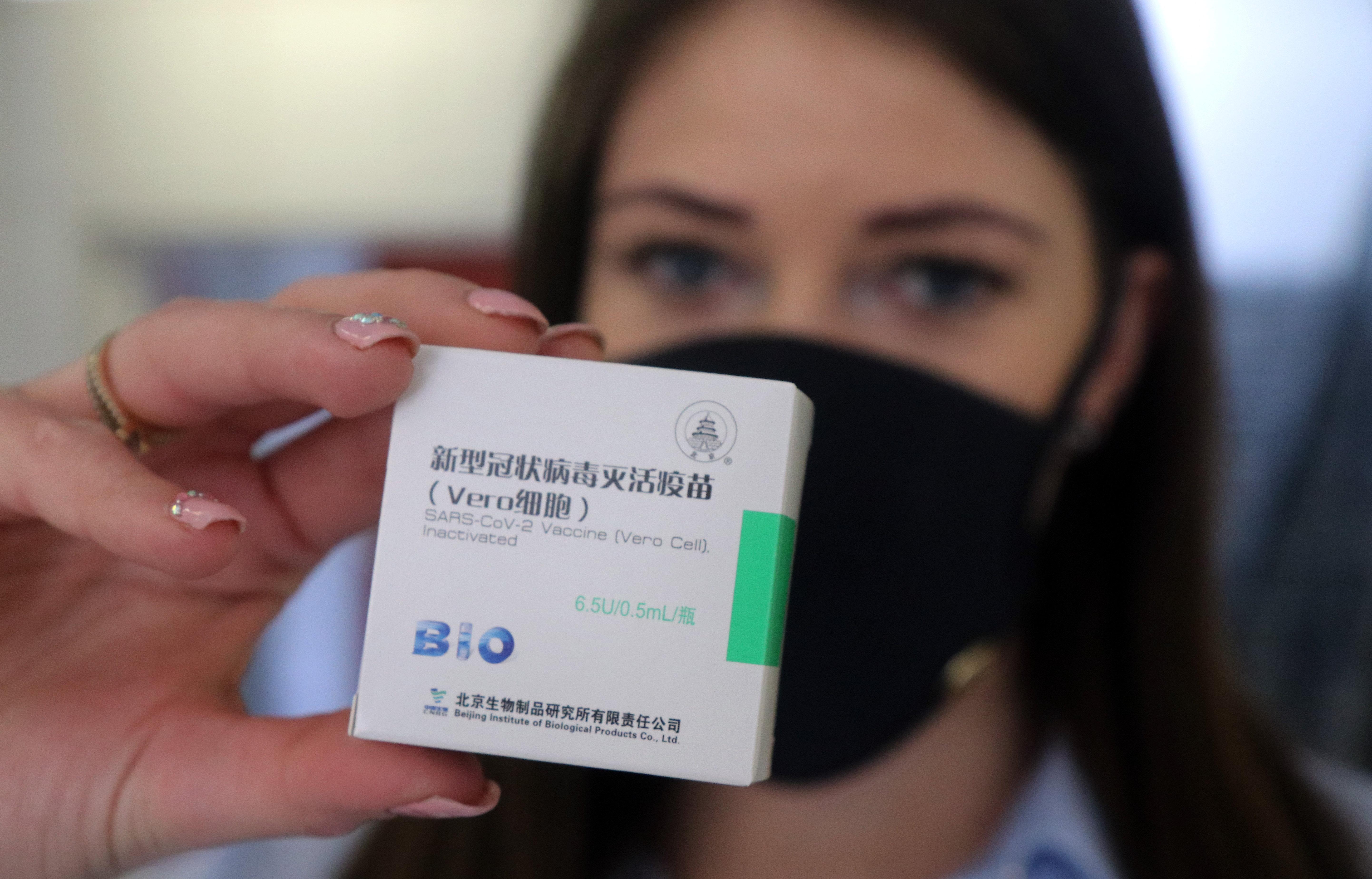 Újabb tízezer fővárosi teszt mutatja: a Sinopharmmal oltott idősek negyedének nincs elég antitestje