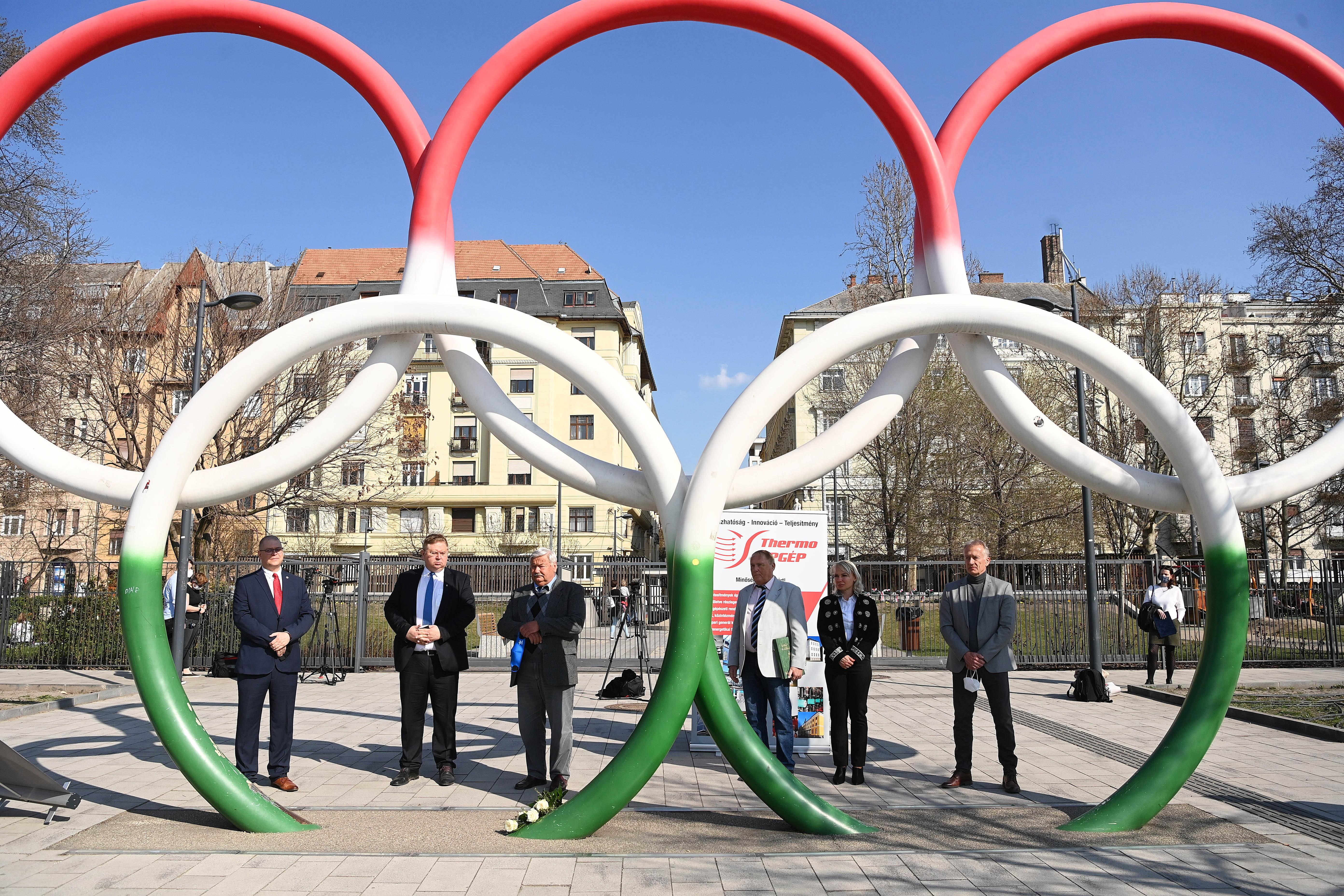 Több mint száz olimpiára készülő magyar sportoló nem kérte az oltást