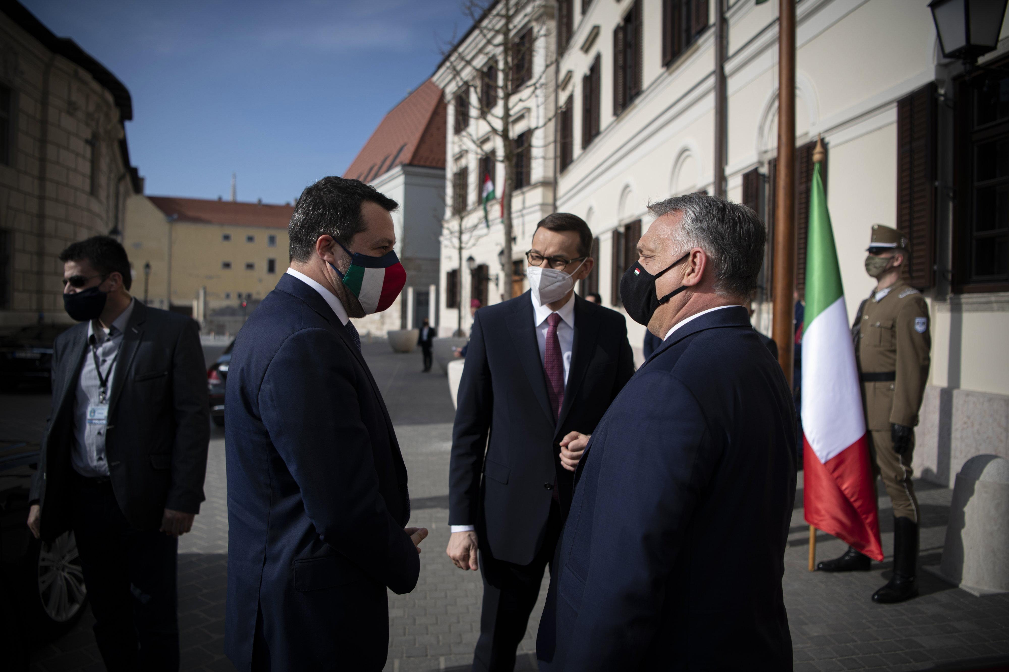 Le Pen, Salvini és Kaczynski pártjai mellett a Fidesz is aláírta az EU-s jobbosok új nyilatkozatát