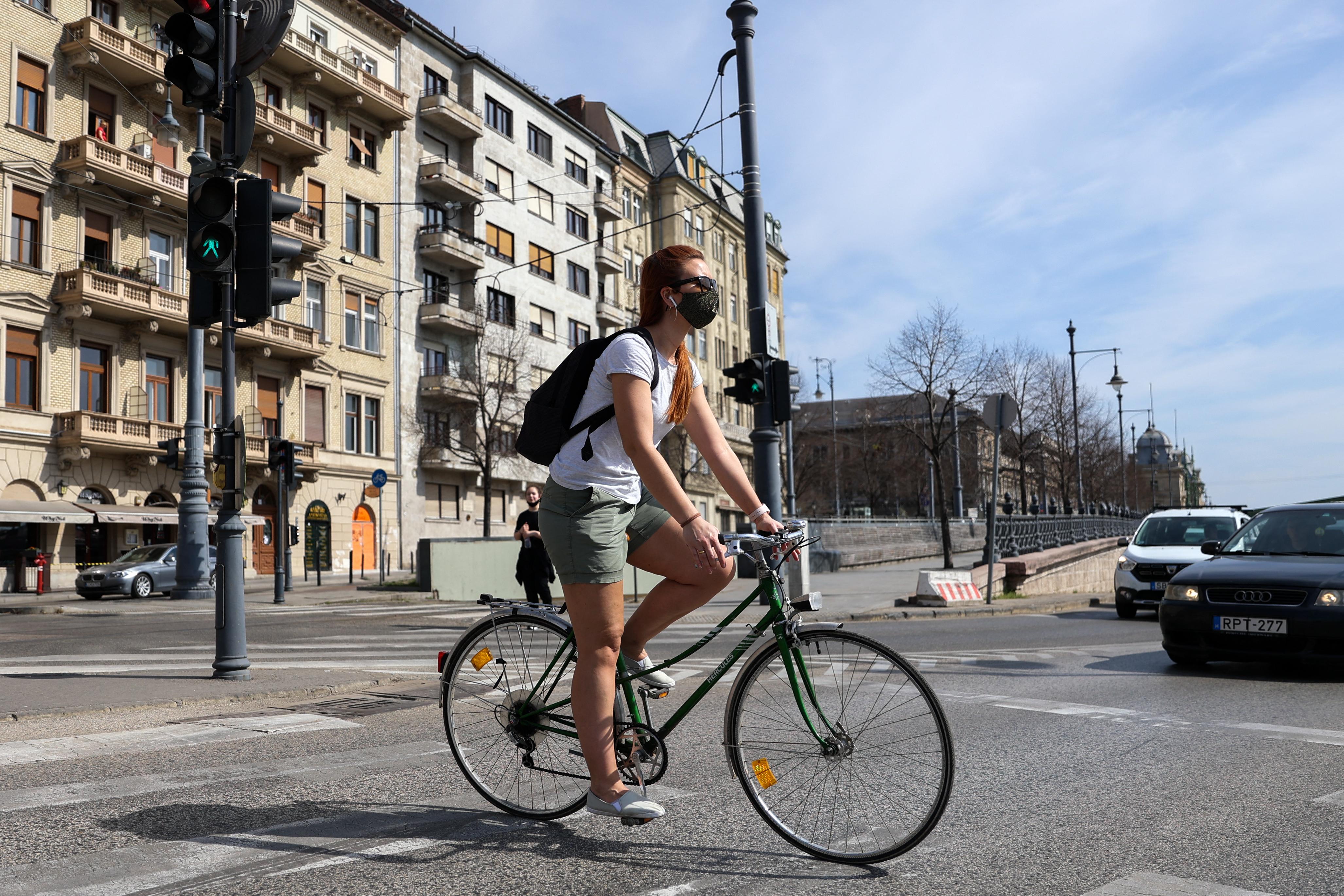 Videósorozattal tanítana meg biciklizni a Kerékpáros Klub