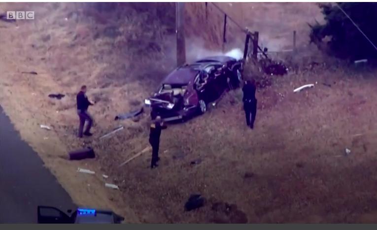 A forgalommal szembe ment az autópályán egy férfi, amikor megállították, kiderült, hogy egy holttest ül az anyósülésen