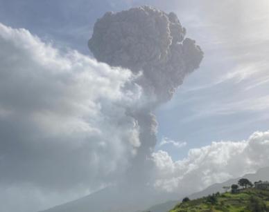Kitört a vulkán Saint Vincent szigetén